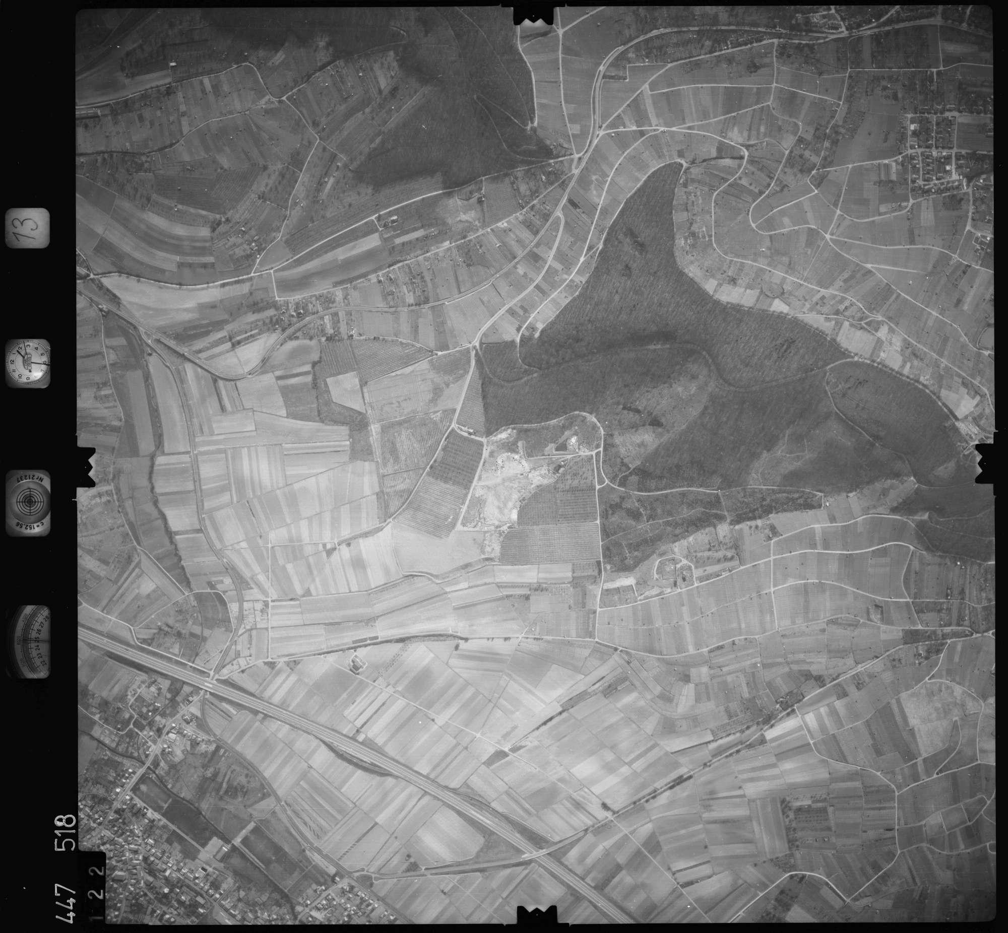 Luftbild: Film 13 Bildnr. 122, Bild 1