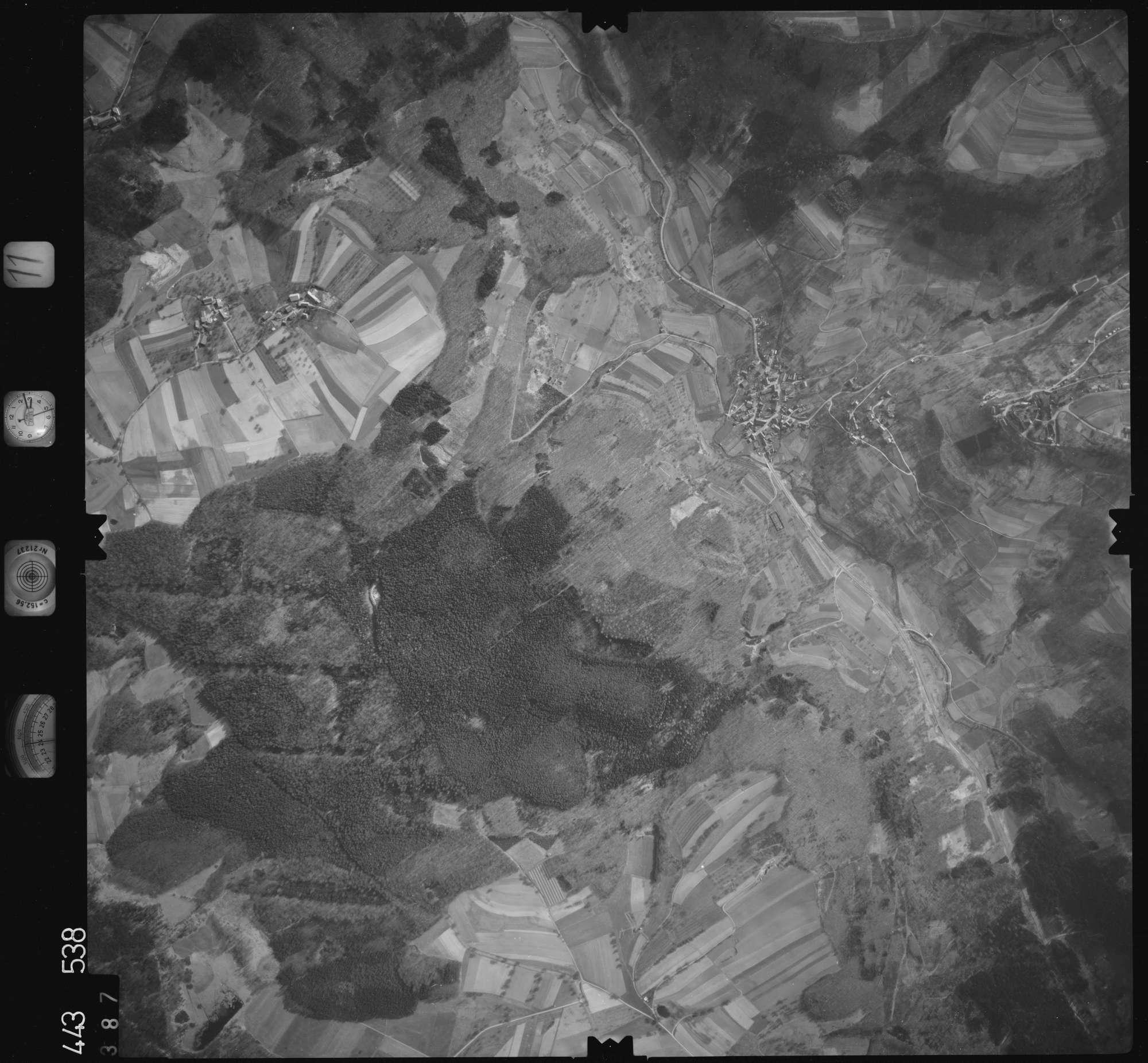 Luftbild: Film 11 Bildnr. 387, Bild 1