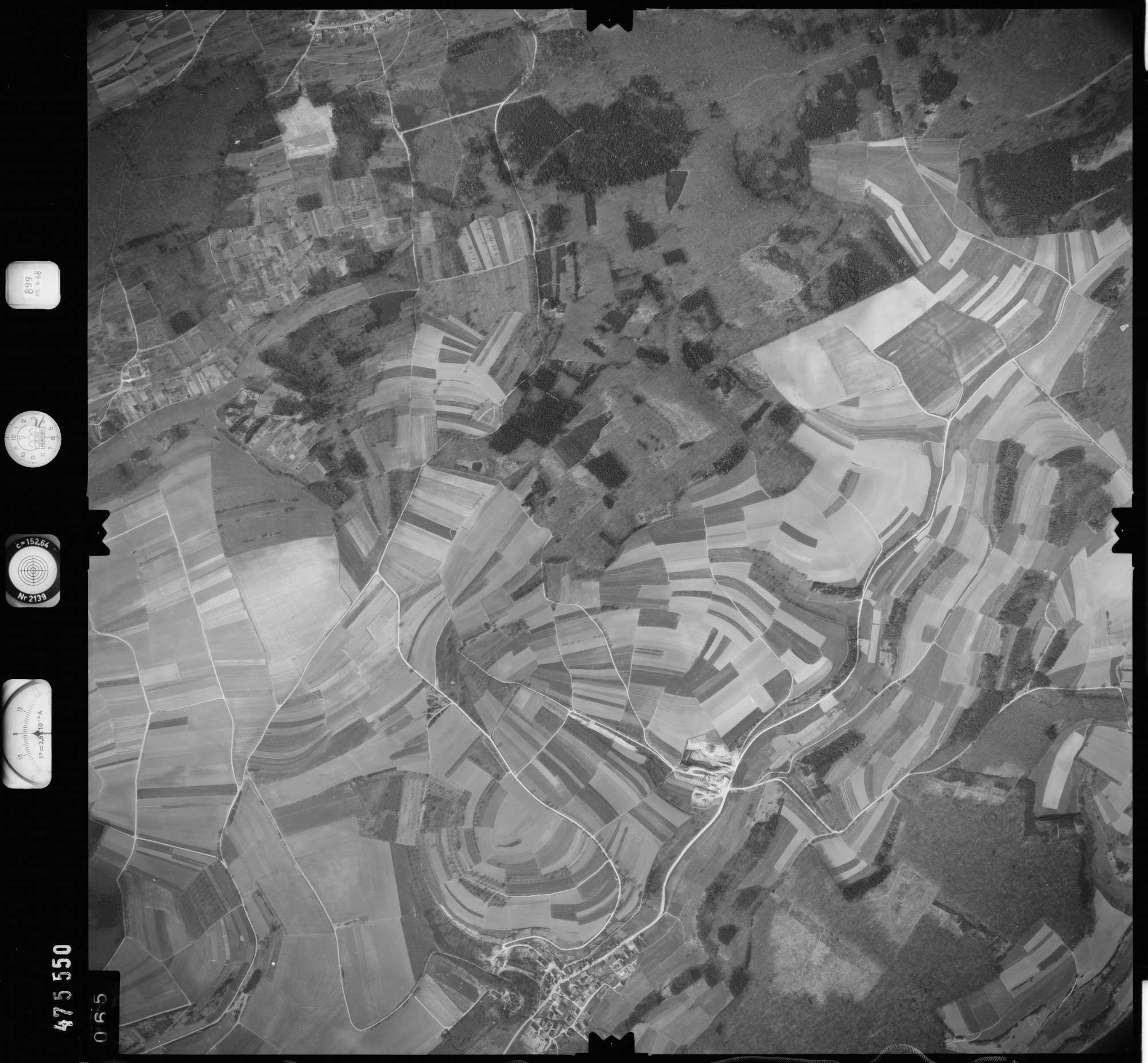 Luftbild: Film 899 Bildnr. 65, Bild 1