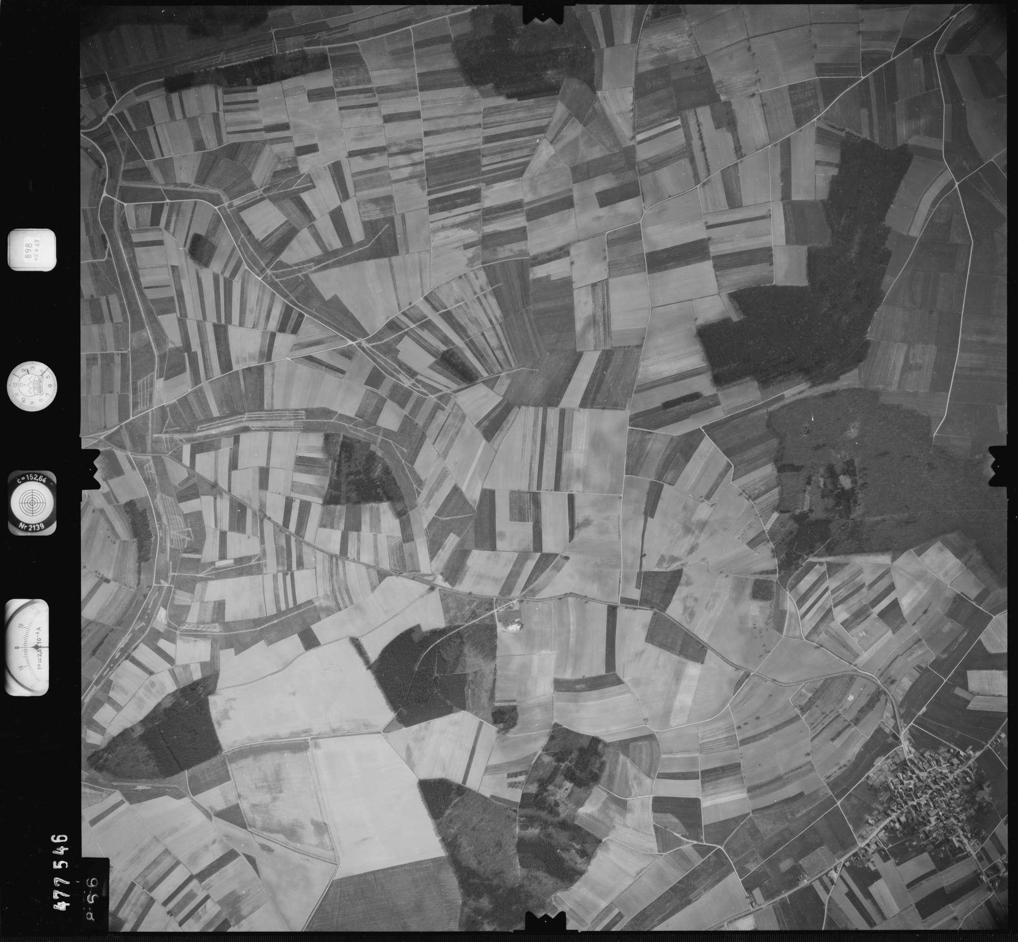 Luftbild: Film 898 Bildnr. 866, Bild 1