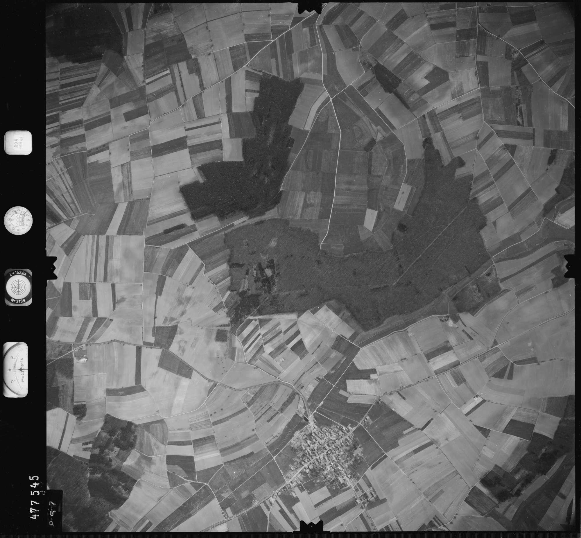 Luftbild: Film 898 Bildnr. 867, Bild 1