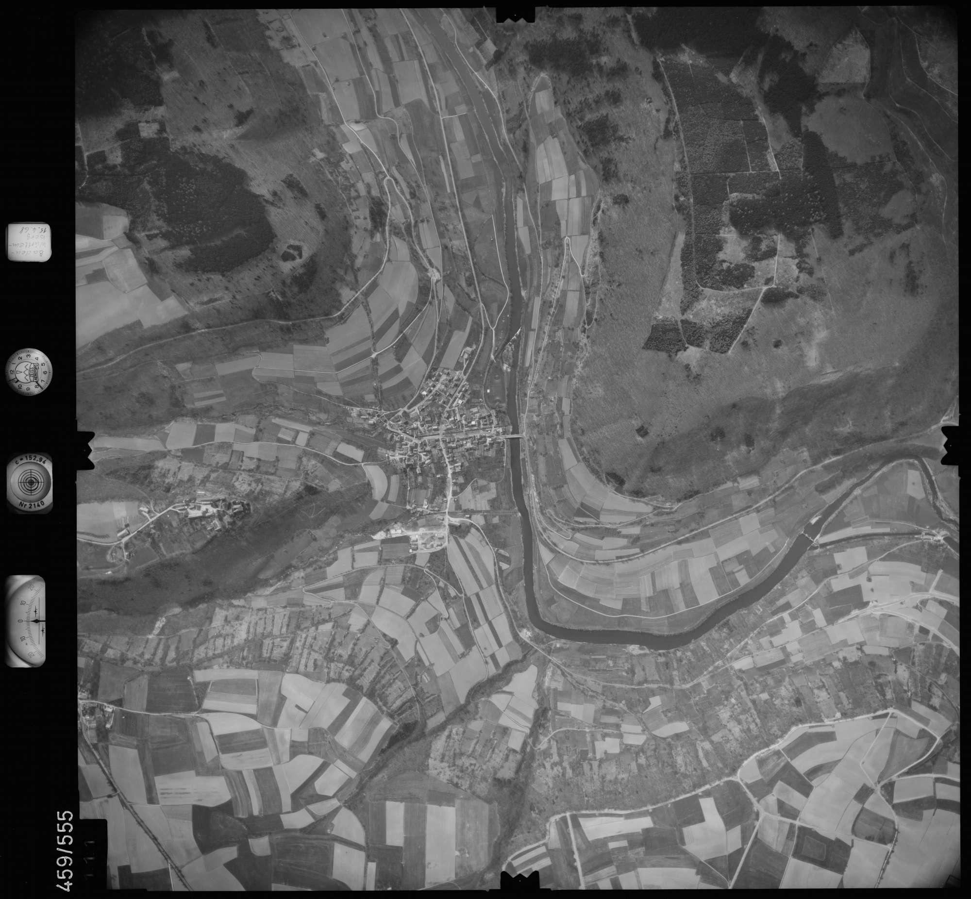 Luftbild: Film 105 Bildnr. 111, Bild 1