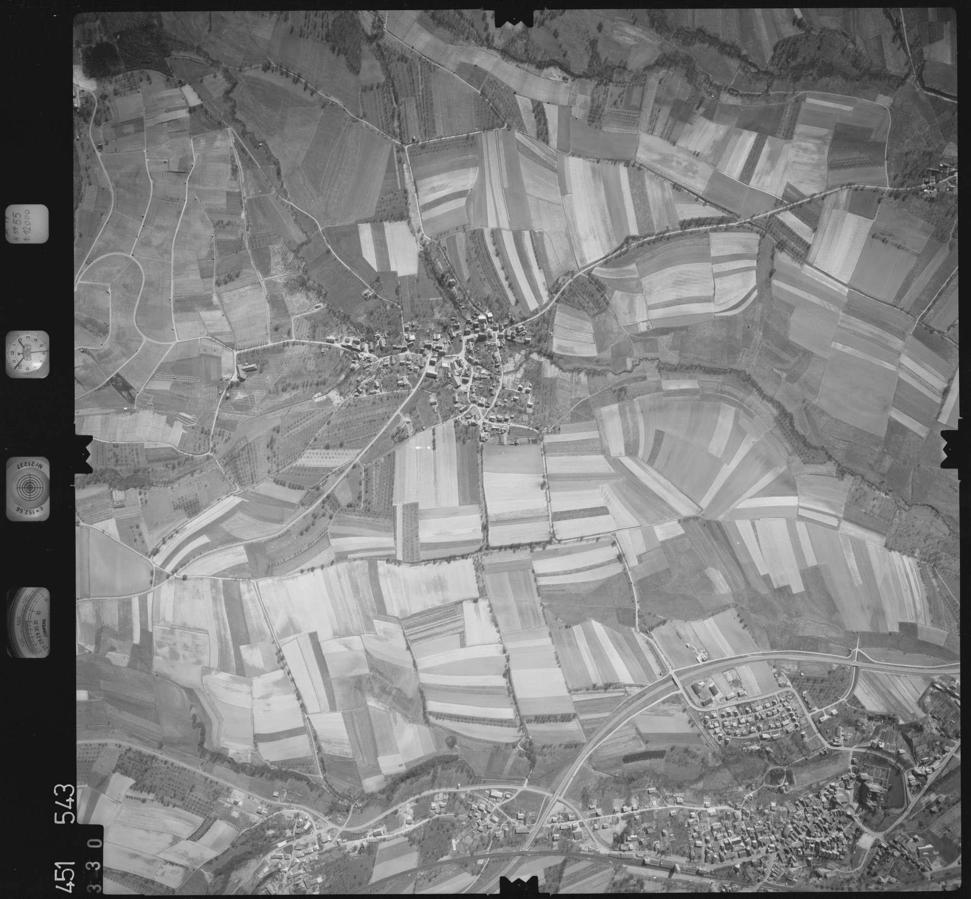 Luftbild: Film 15 Bildnr. 330, Bild 1