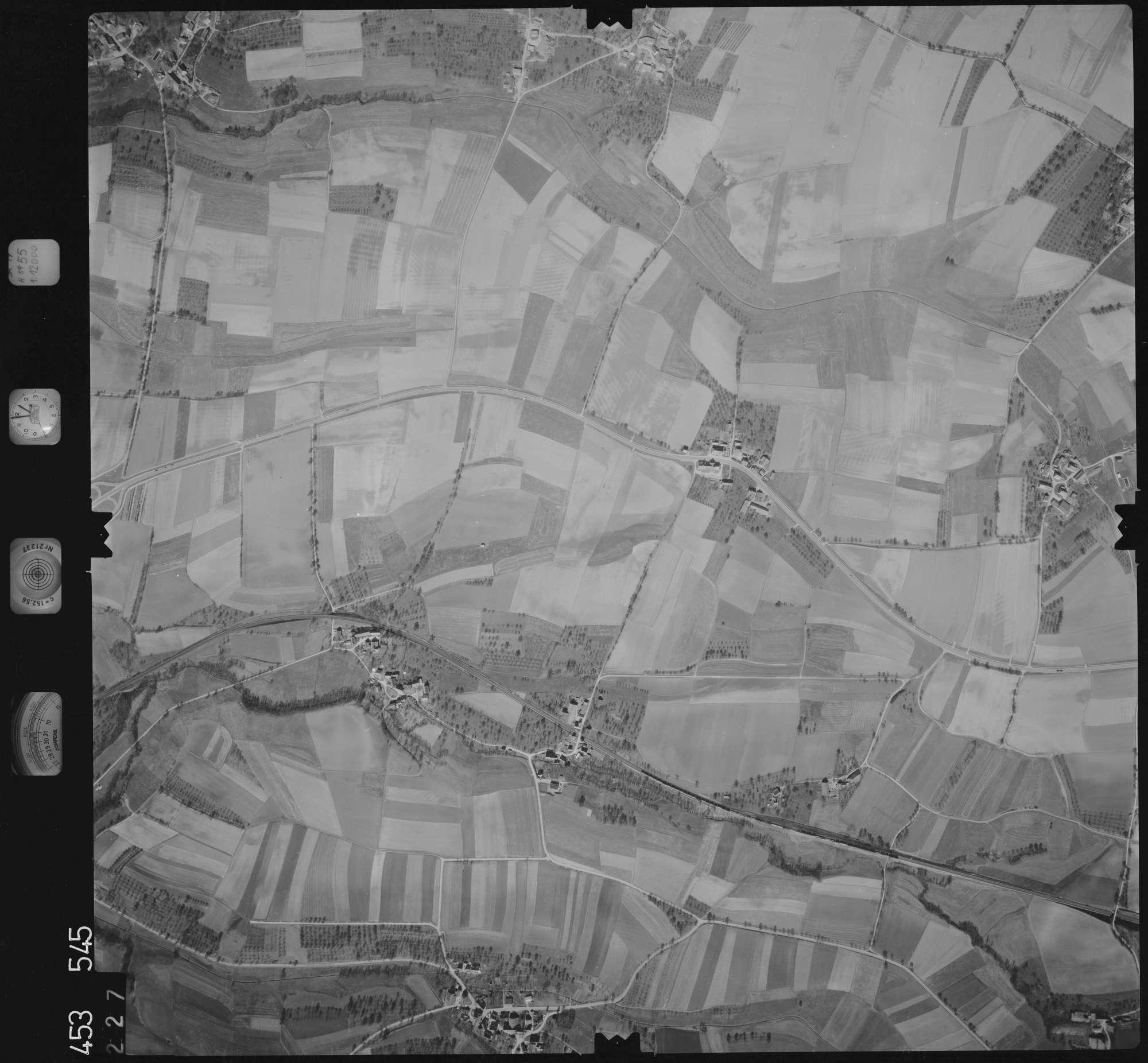 Luftbild: Film 16 Bildnr. 227, Bild 1