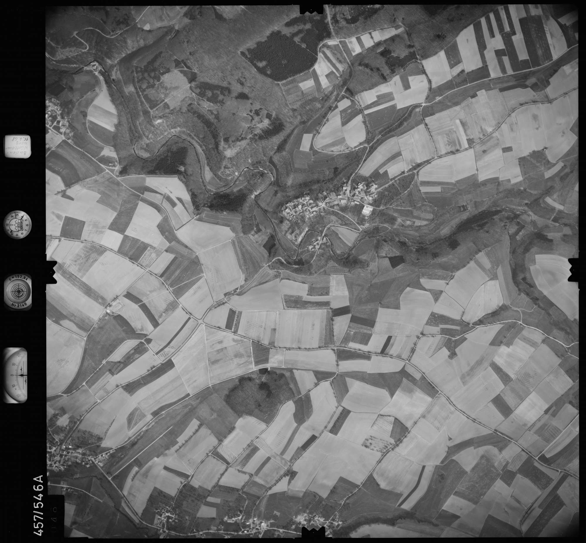 Luftbild: Film 105 Bildnr. 46, Bild 1