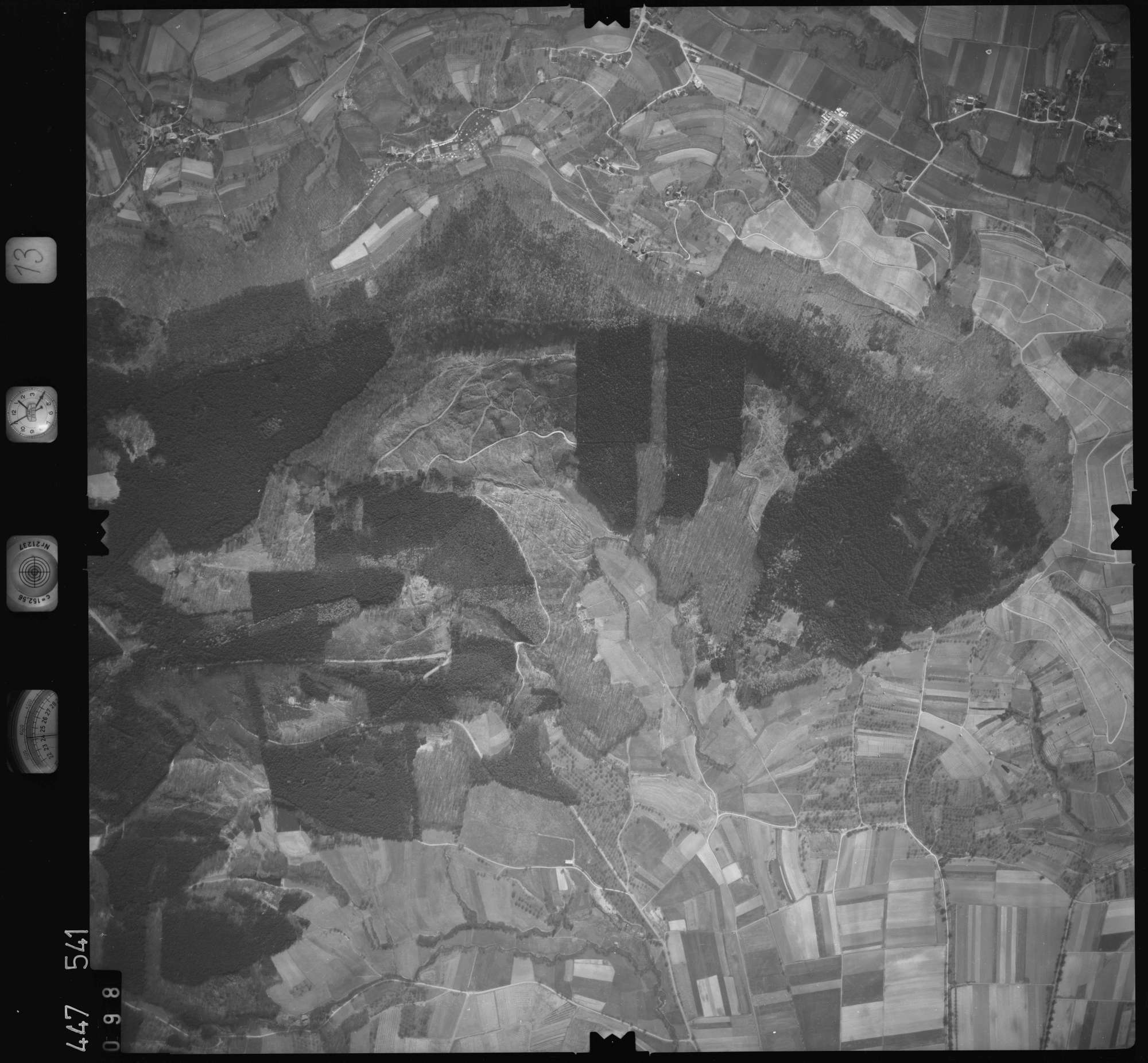 Luftbild: Film 13 Bildnr. 98, Bild 1