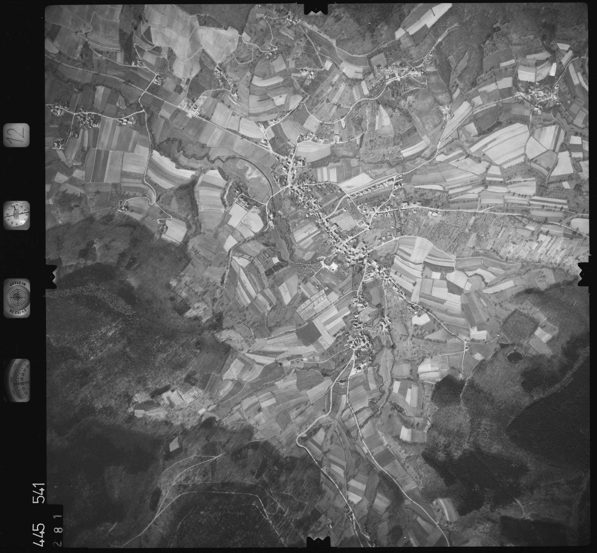 Luftbild: Film 12 Bildnr. 281, Bild 1