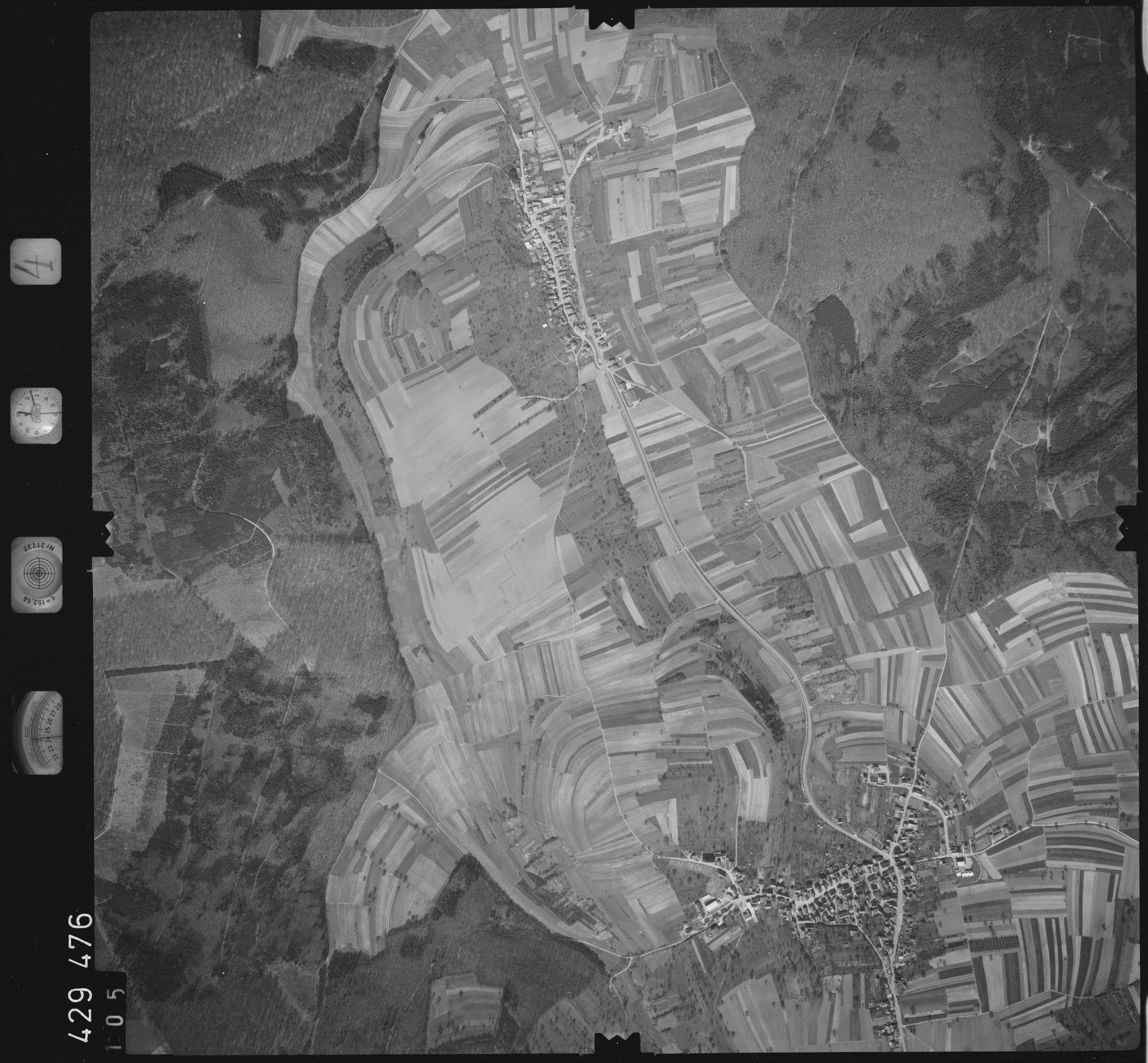 Luftbild: Film 4 Bildnr. 105, Bild 1