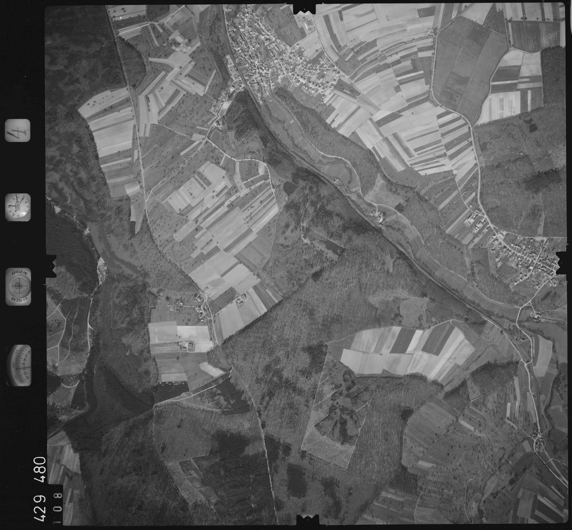 Luftbild: Film 4 Bildnr. 108, Bild 1