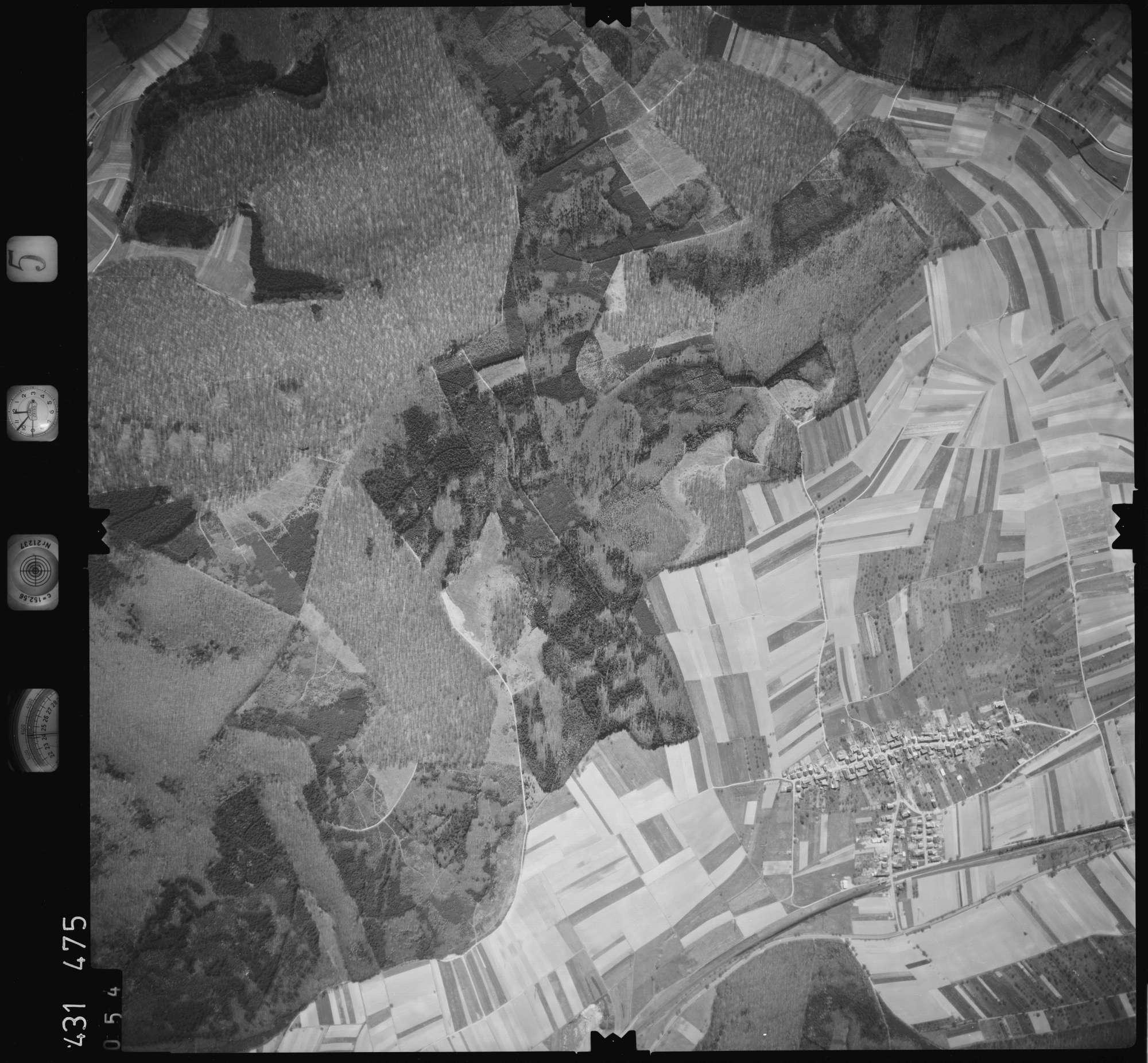 Luftbild: Film 5 Bildnr. 54, Bild 1