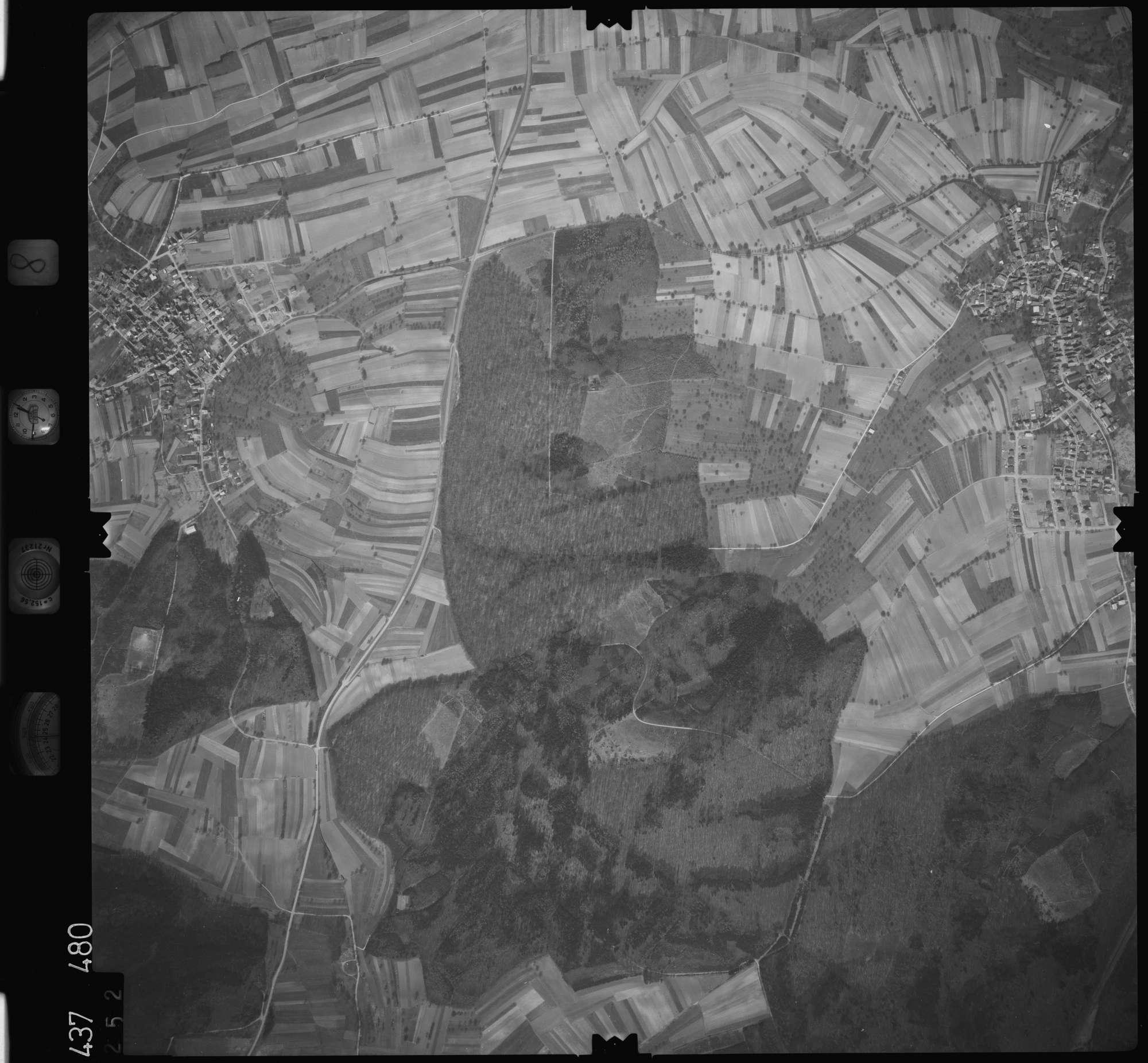 Luftbild: Film 8 Bildnr. 252, Bild 1
