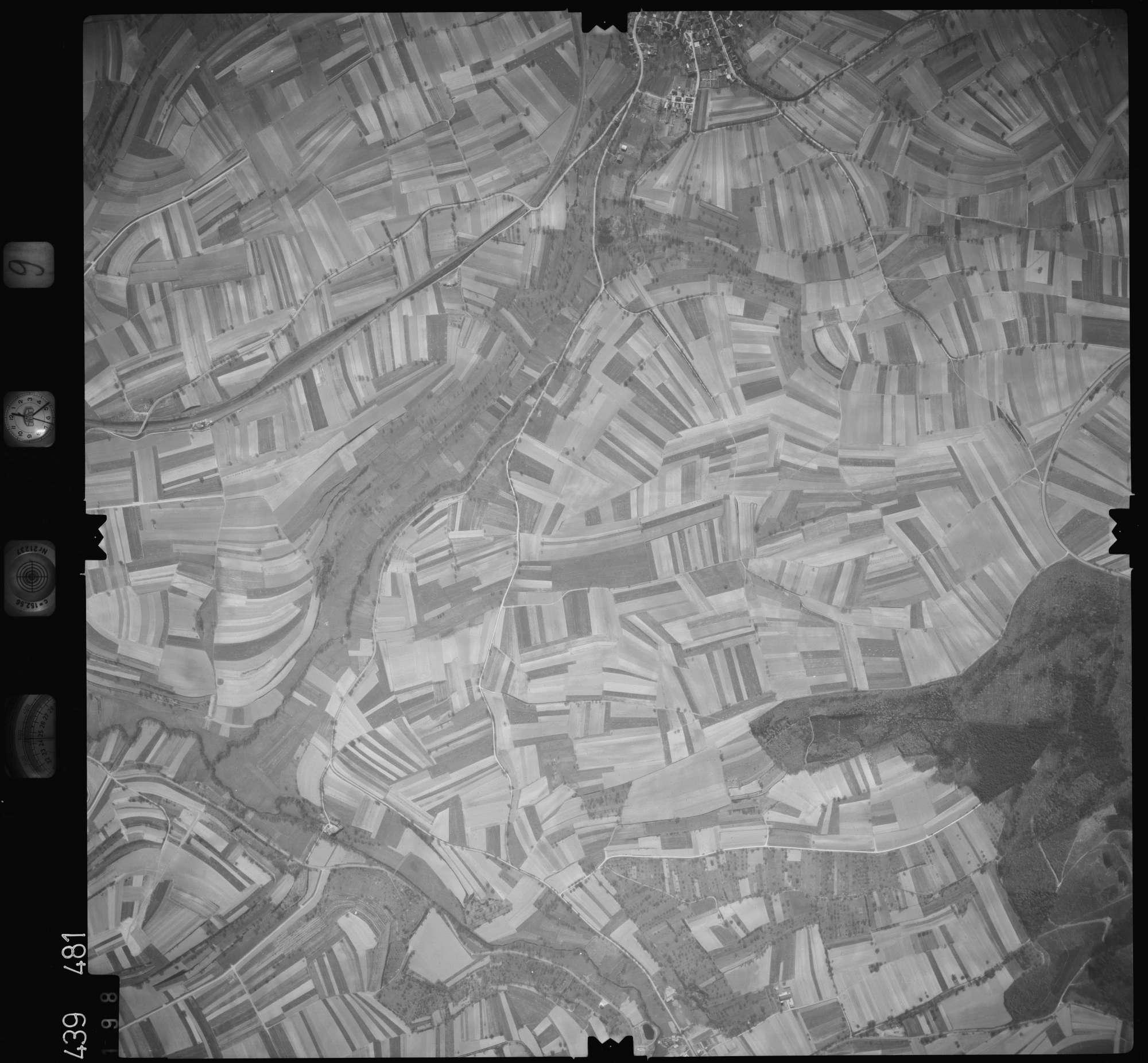 Luftbild: Film 9 Bildnr. 198, Bild 1