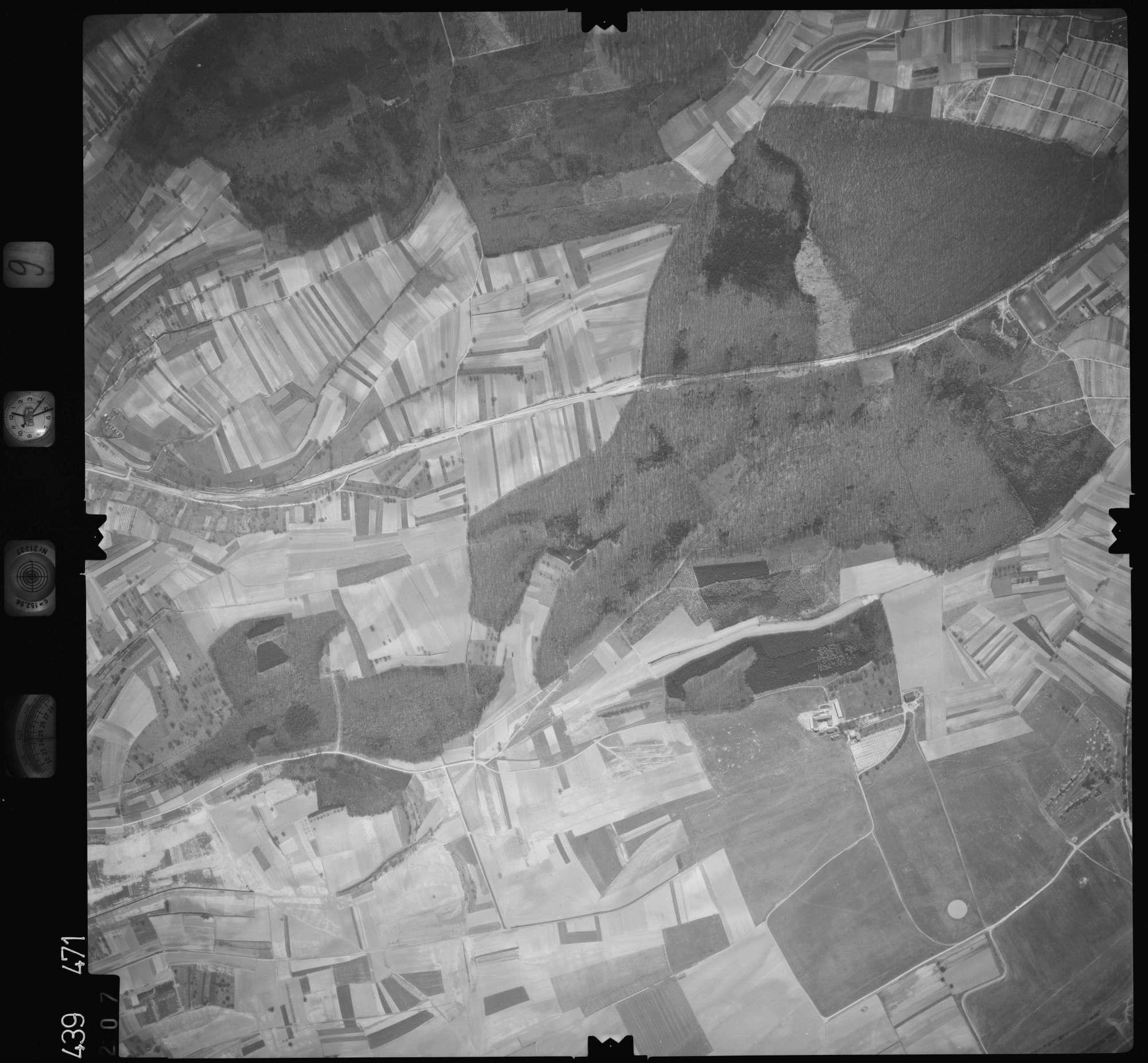 Luftbild: Film 9 Bildnr. 207, Bild 1