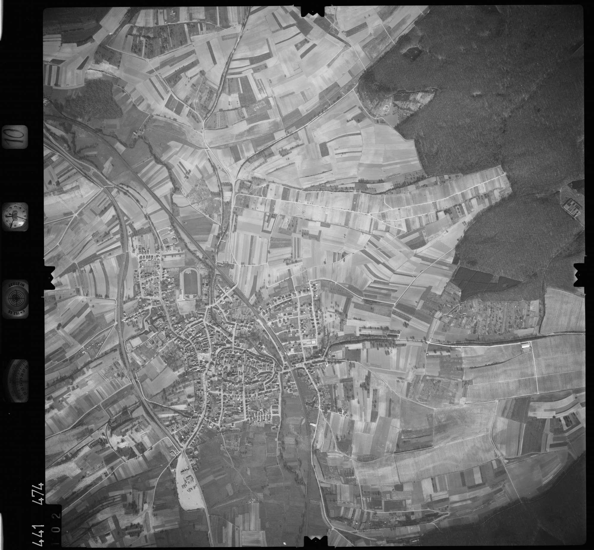 Luftbild: Film 10 Bildnr. 102, Bild 1