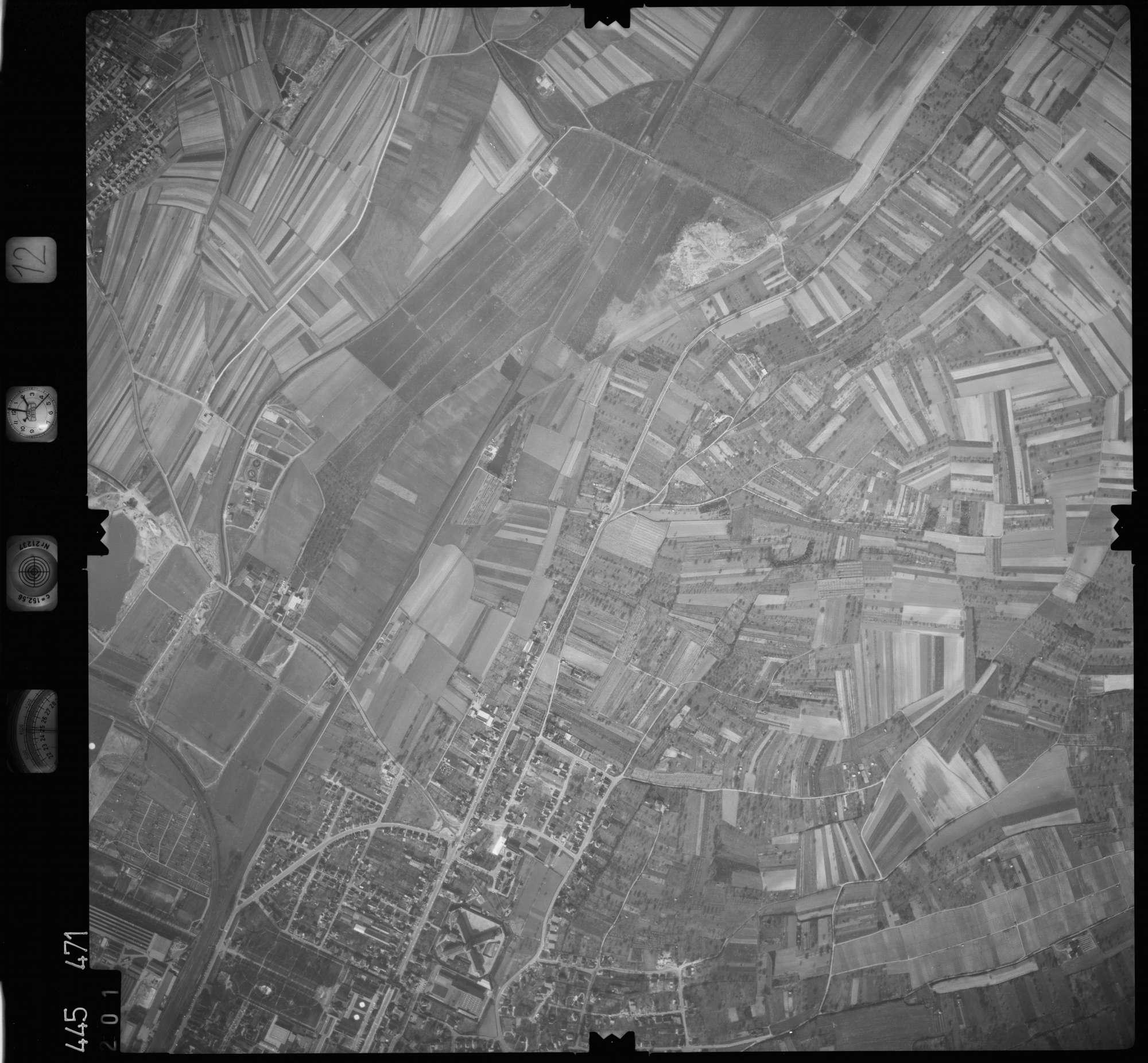 Luftbild: Film 12 Bildnr. 201, Bild 1