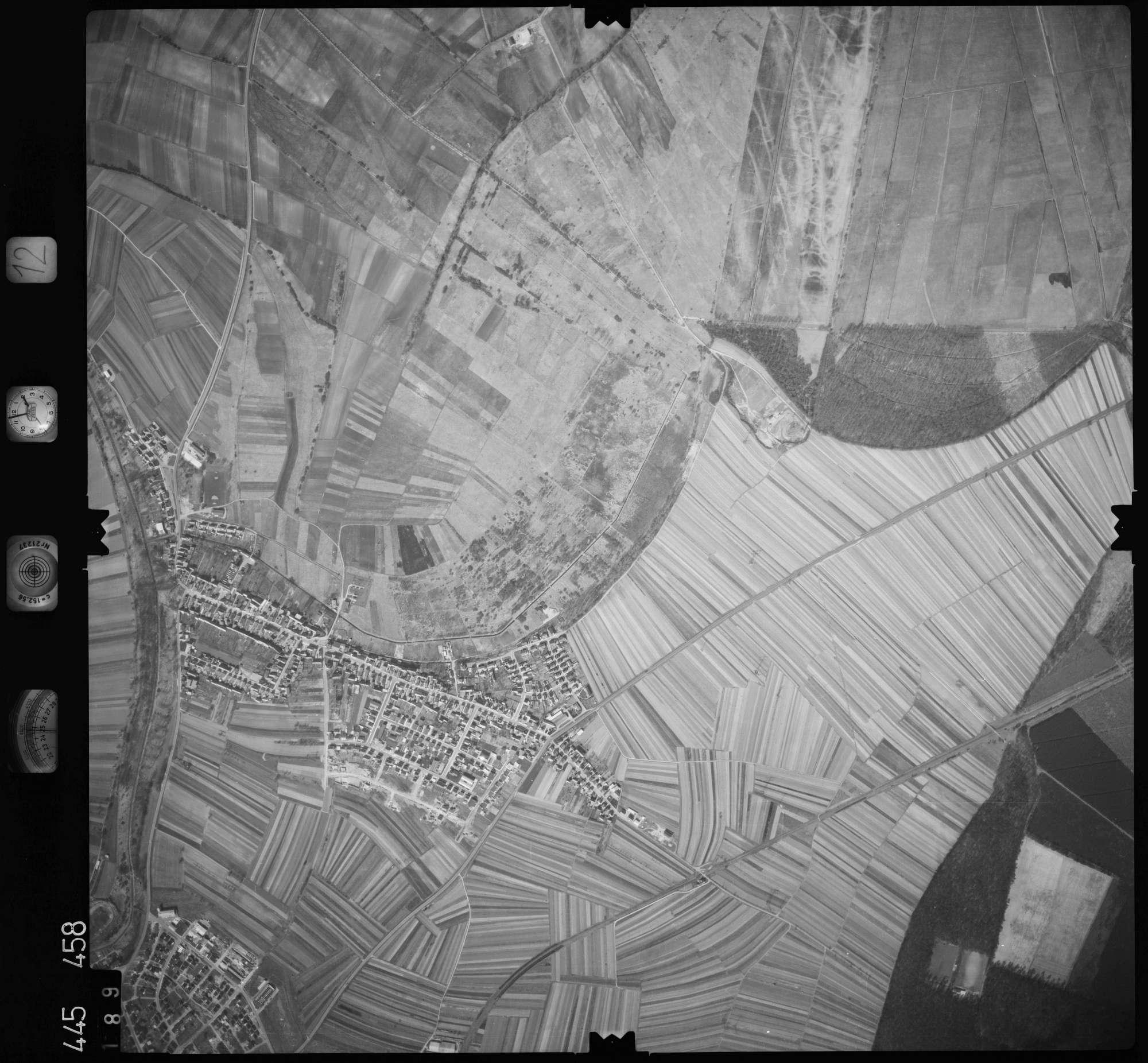 Luftbild: Film 12 Bildnr. 189, Bild 1