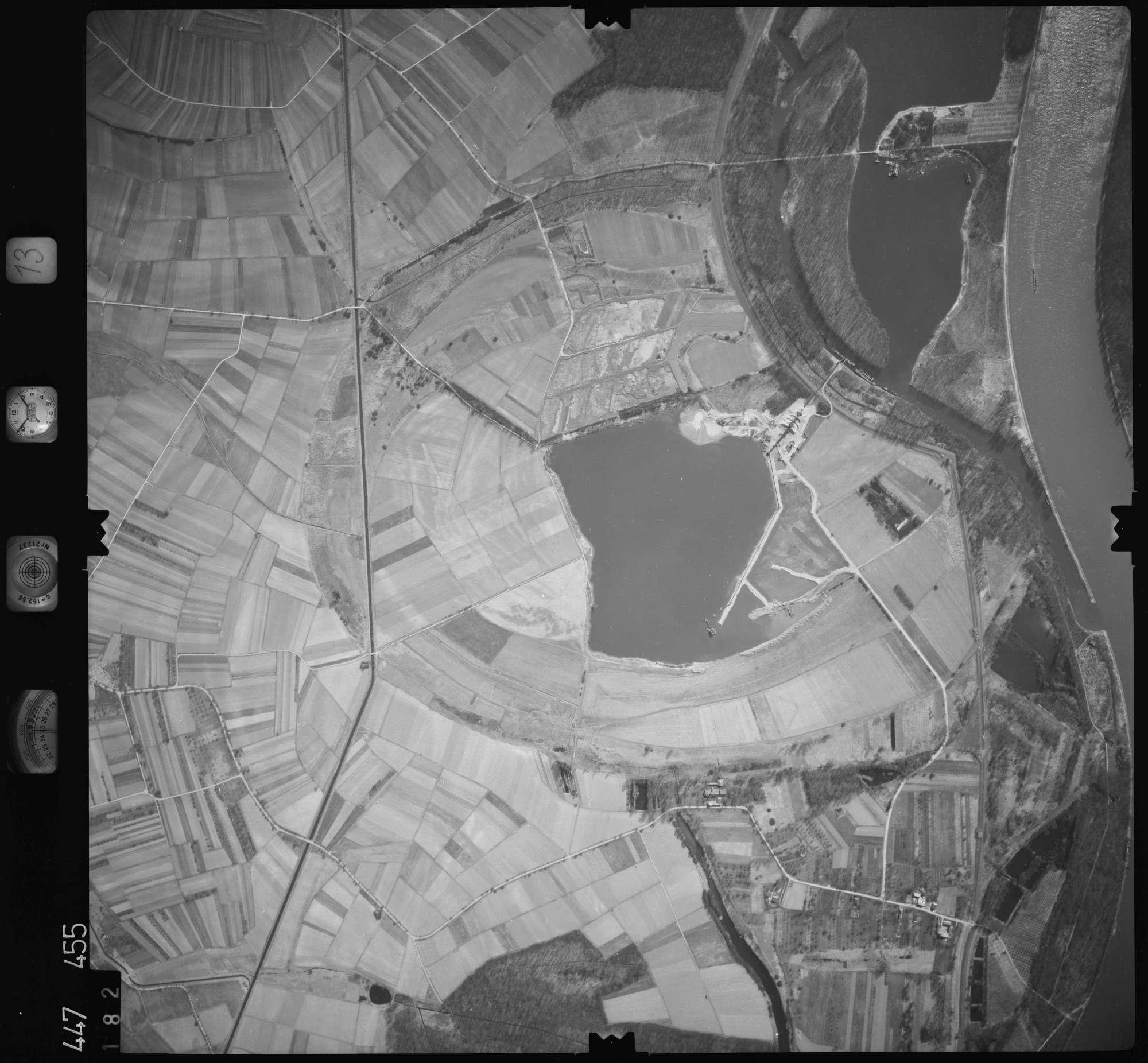 Luftbild: Film 13 Bildnr. 182, Bild 1