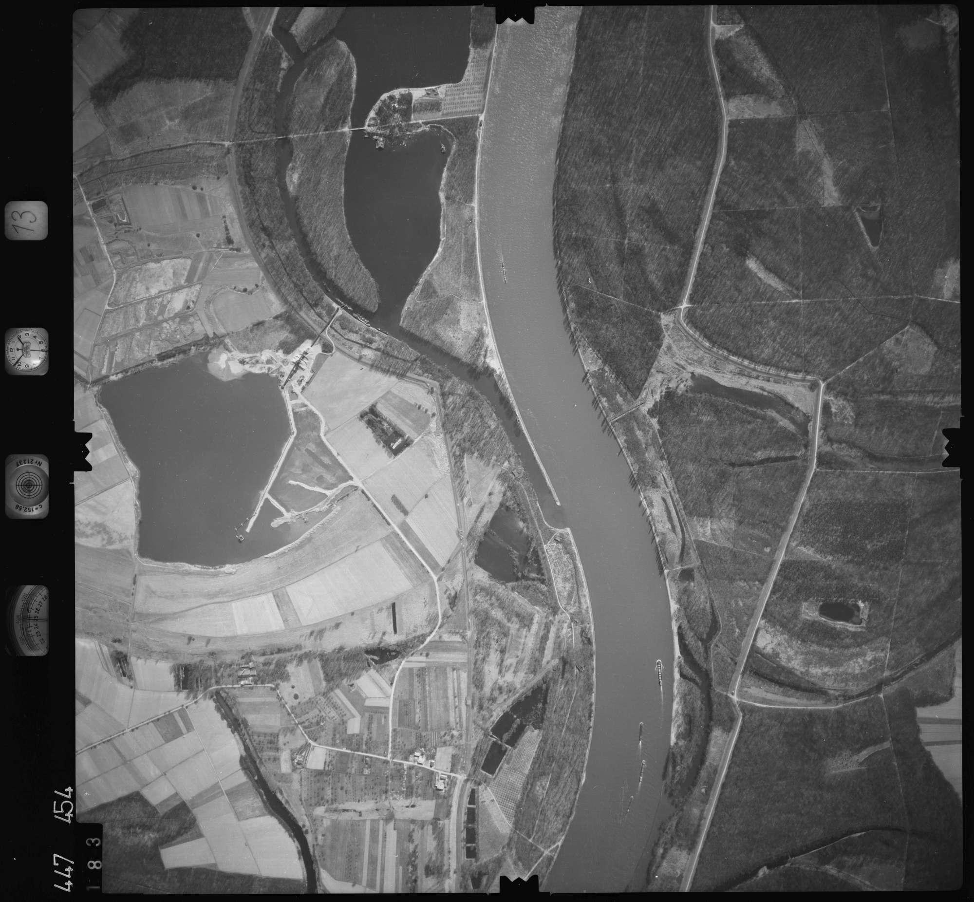 Luftbild: Film 13 Bildnr. 183, Bild 1