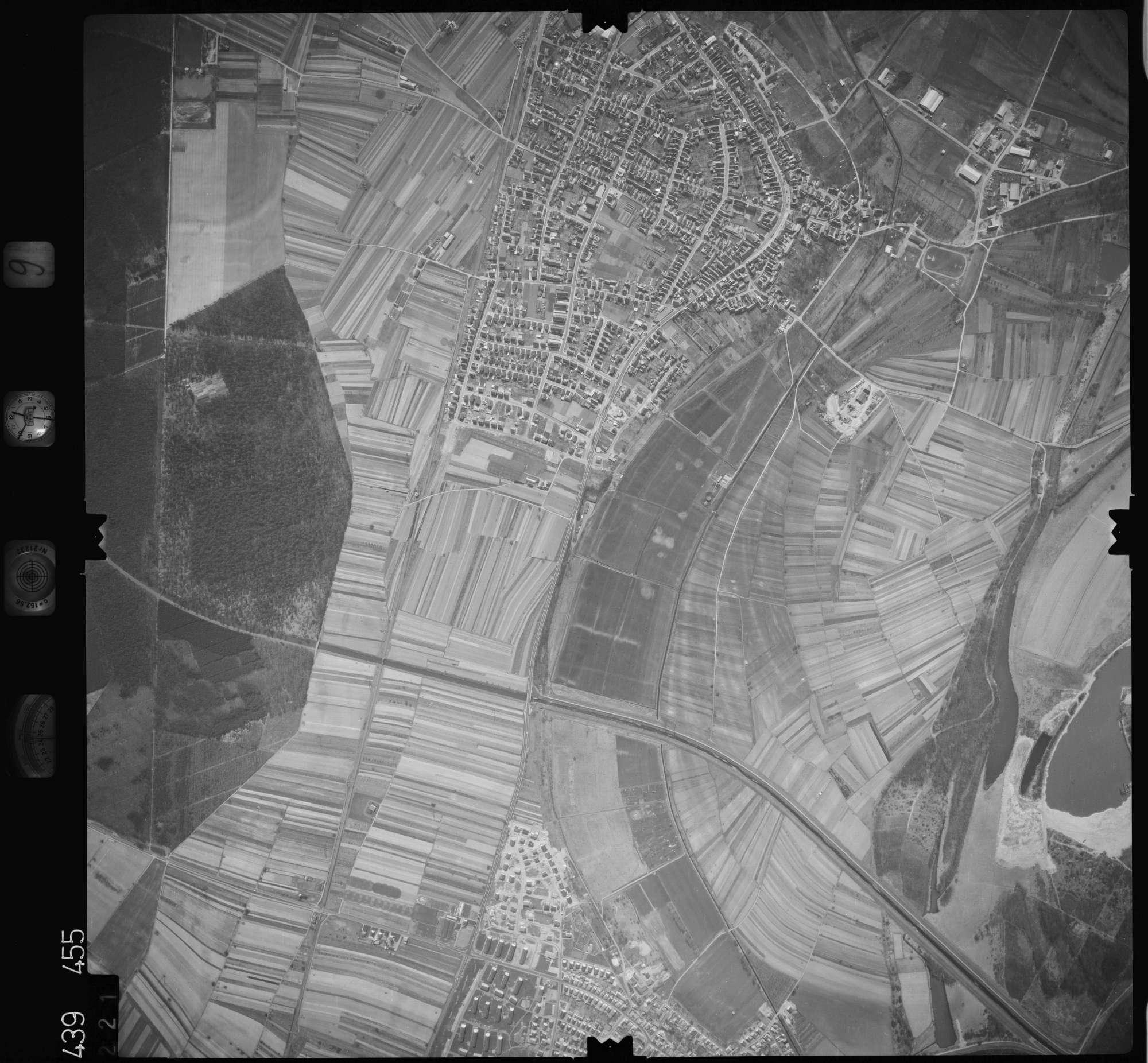 Luftbild: Film 9 Bildnr. 221, Bild 1