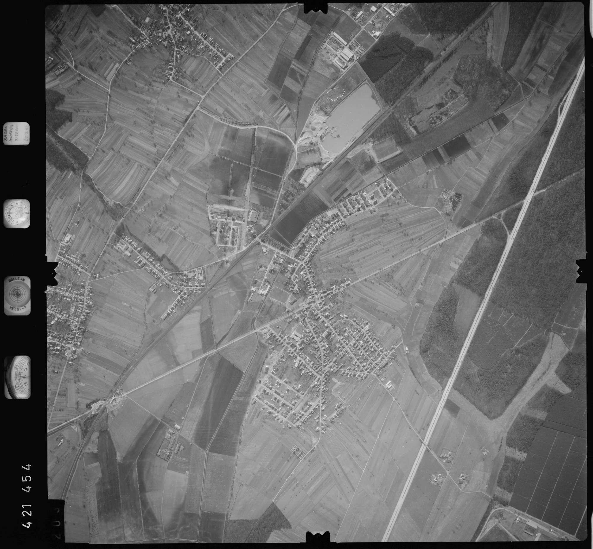 Luftbild: Film 1 Bildnr. 203, Bild 1