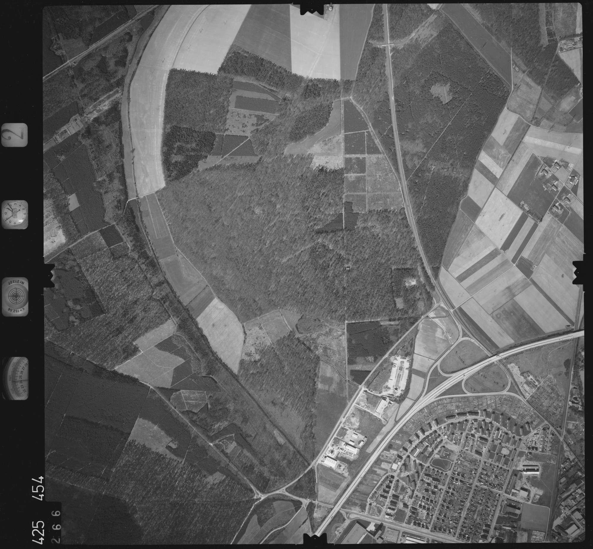 Luftbild: Film 2 Bildnr. 266, Bild 1