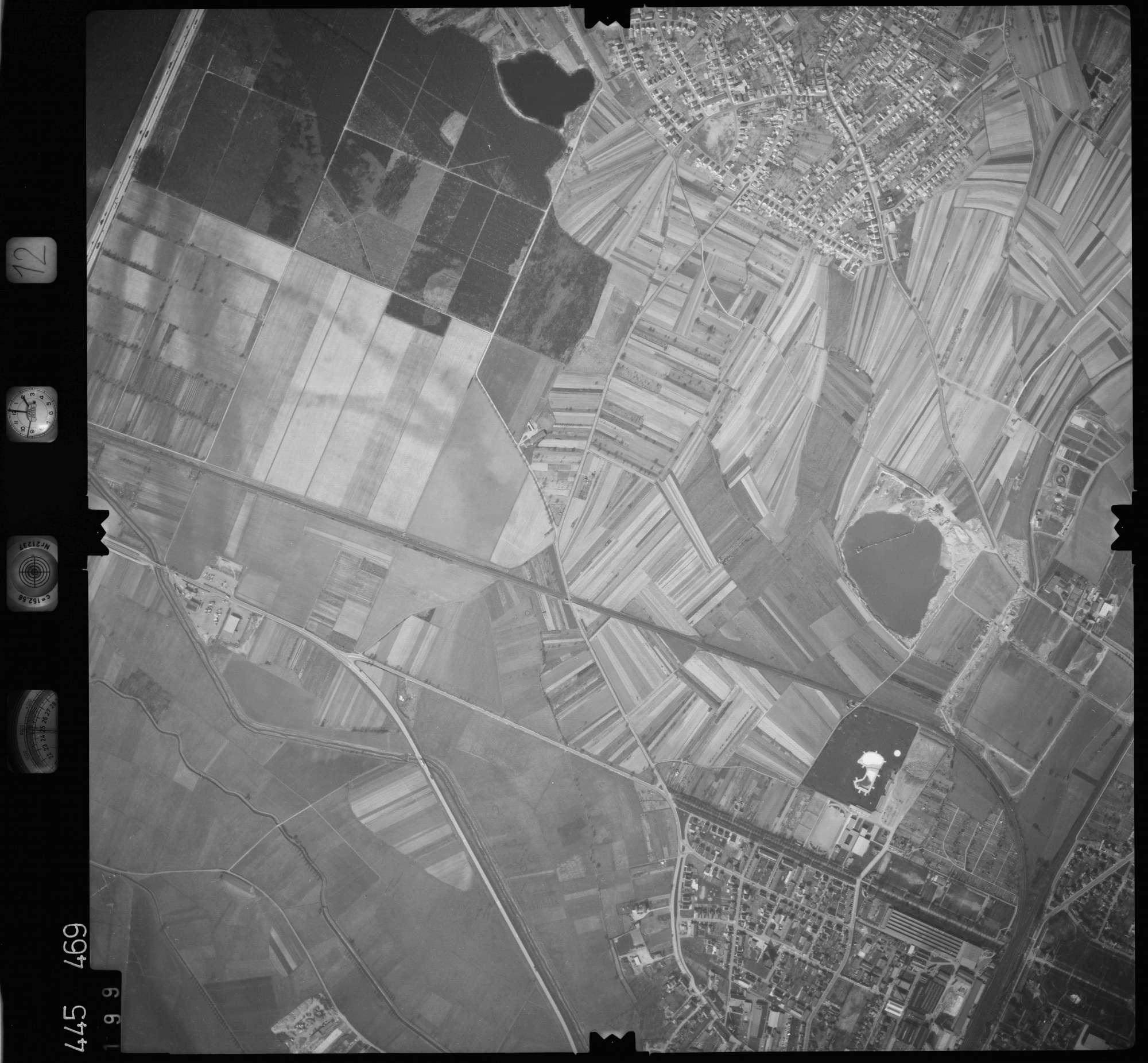 Luftbild: Film 12 Bildnr. 199, Bild 1