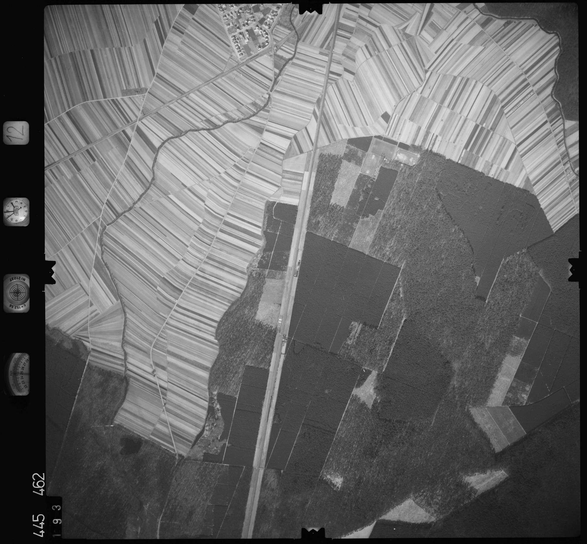 Luftbild: Film 12 Bildnr. 193, Bild 1