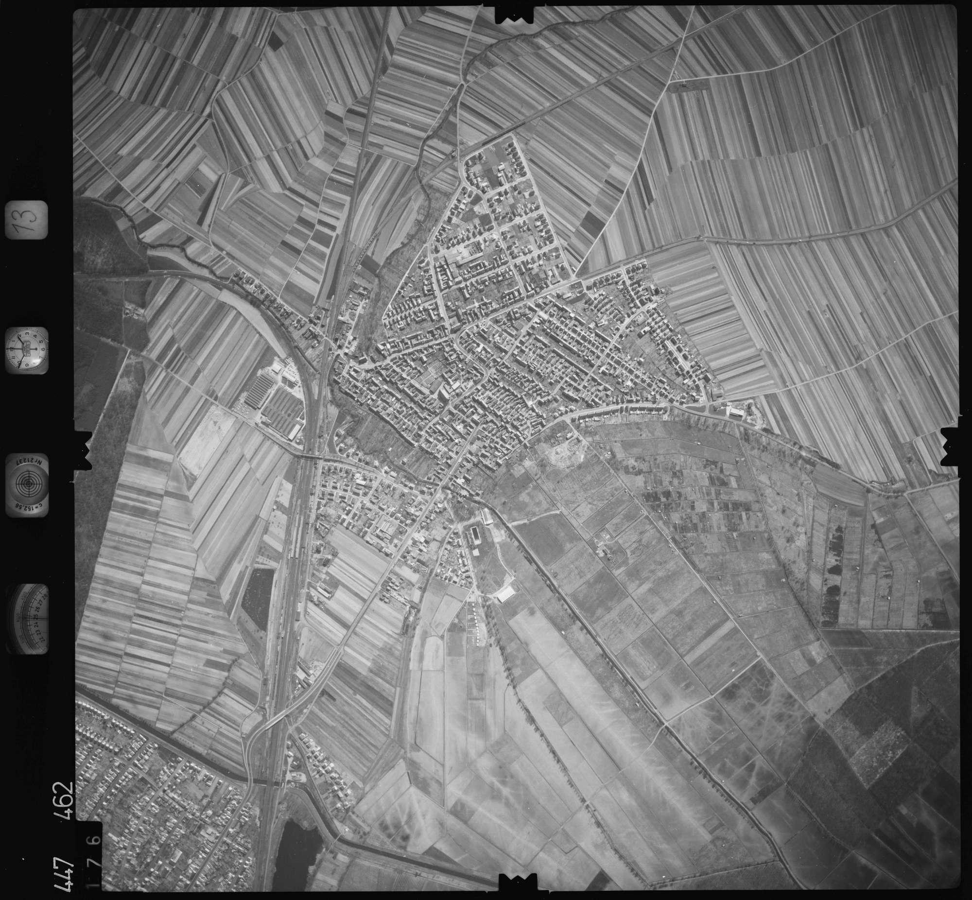 Luftbild: Film 13 Bildnr. 176, Bild 1