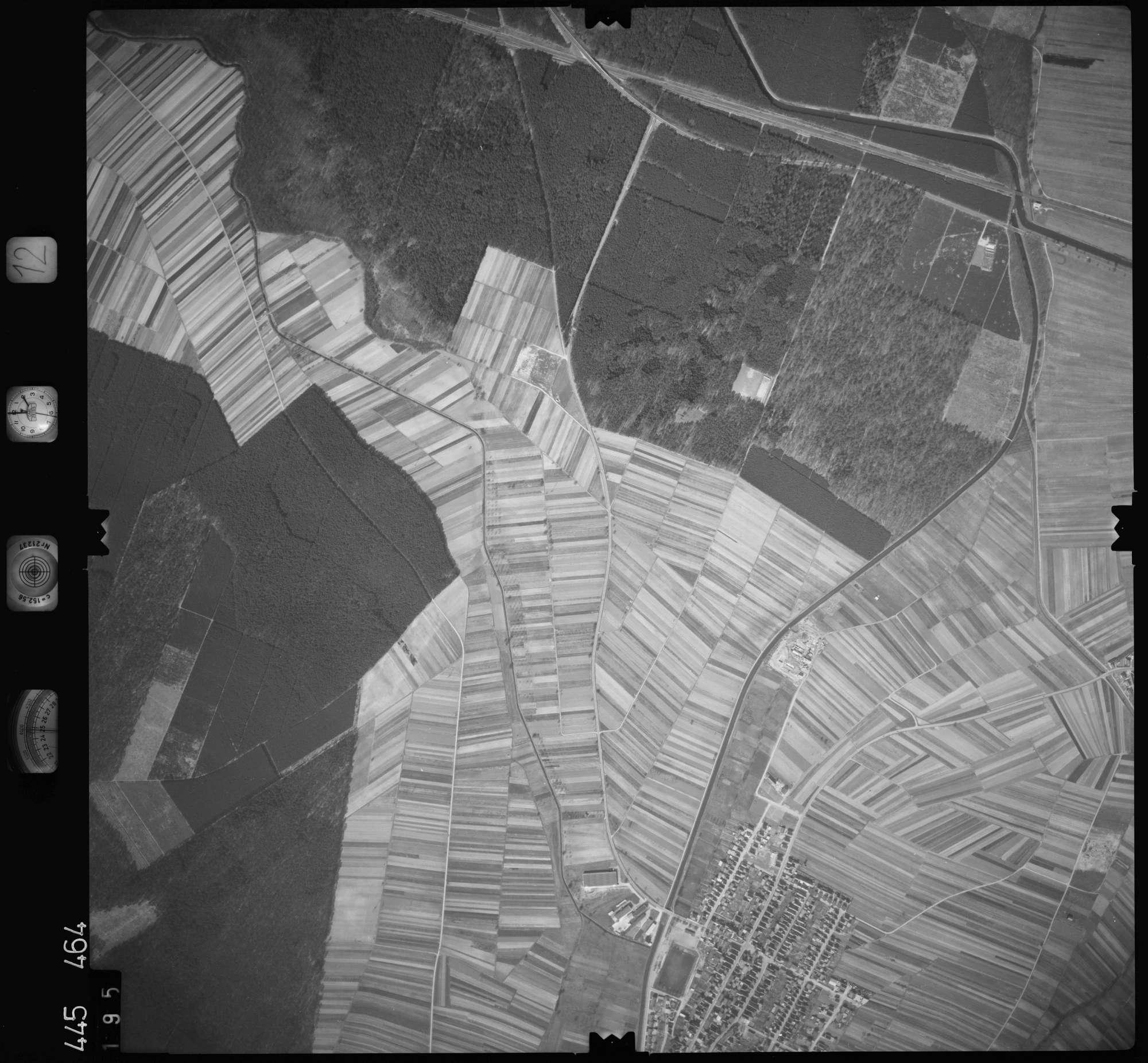 Luftbild: Film 12 Bildnr. 195, Bild 1