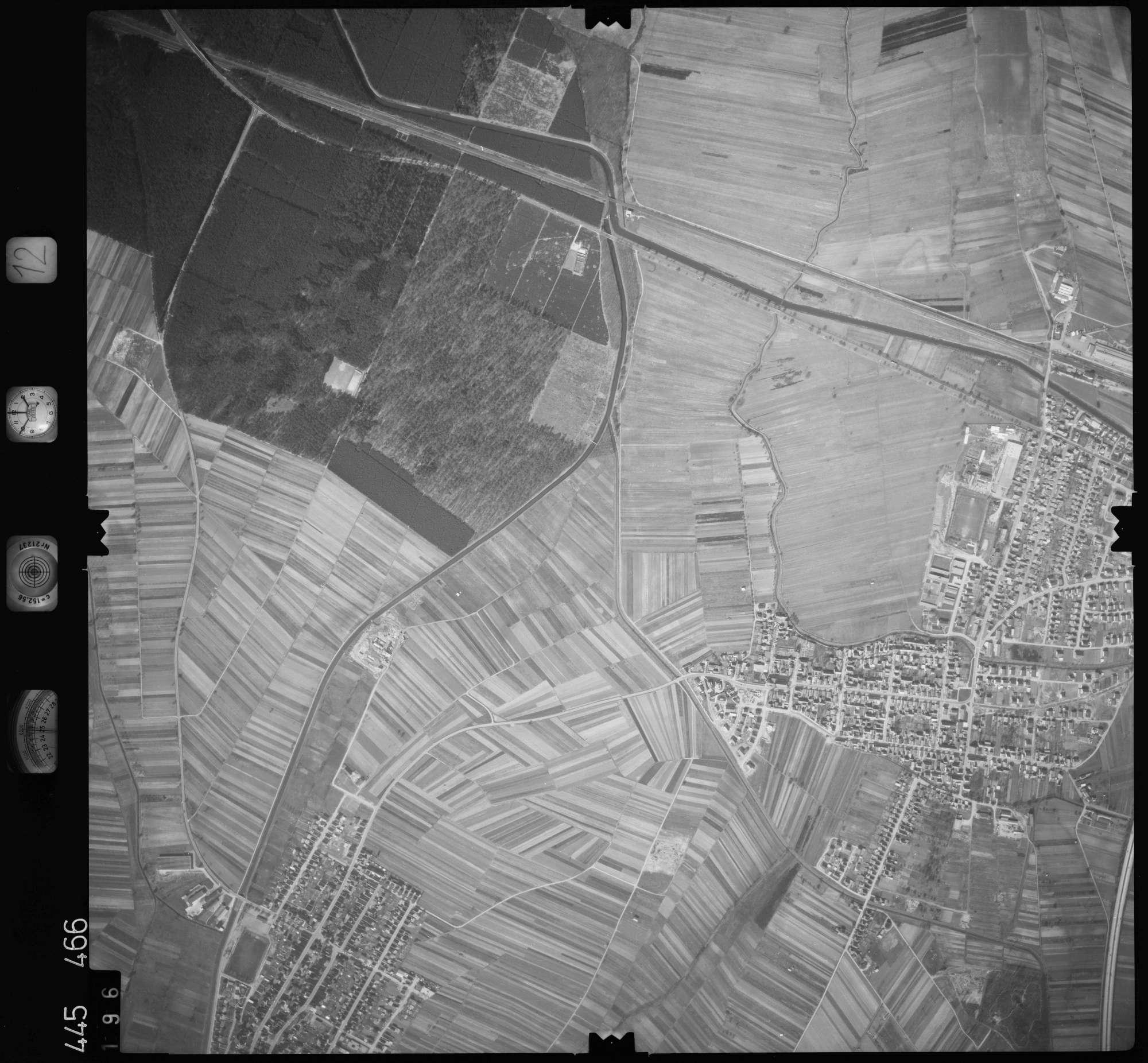 Luftbild: Film 12 Bildnr. 196, Bild 1