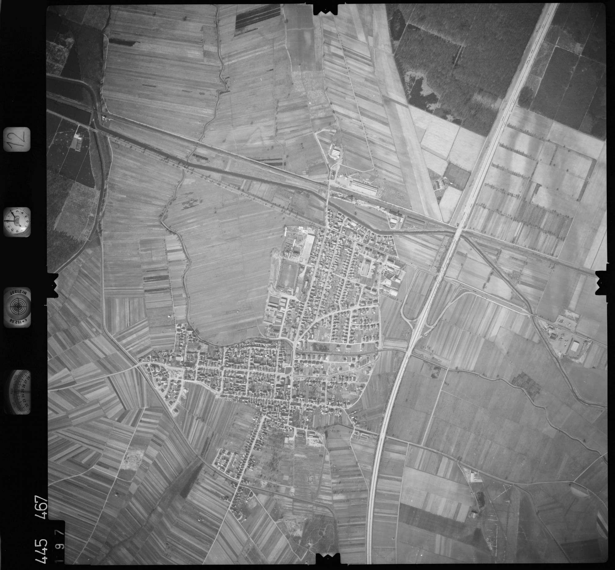 Luftbild: Film 12 Bildnr. 197, Bild 1