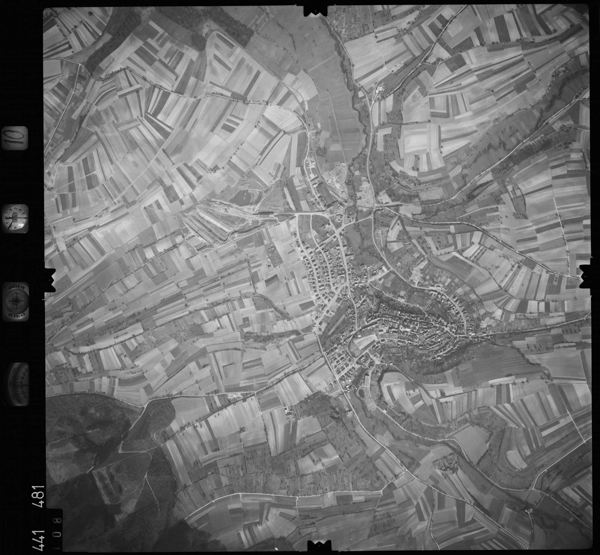Luftbild: Film 10 Bildnr. 108, Bild 1