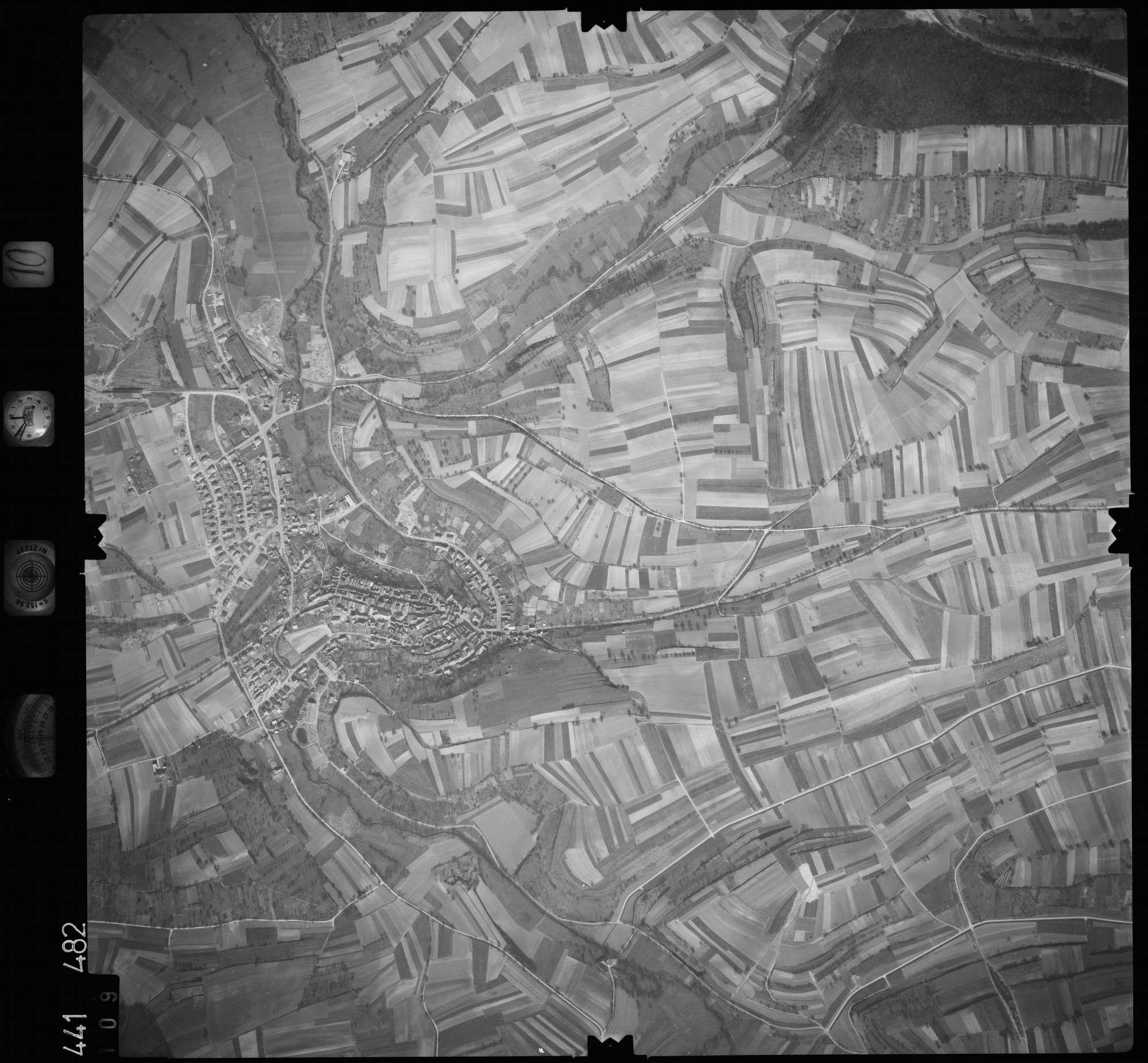 Luftbild: Film 10 Bildnr. 109, Bild 1