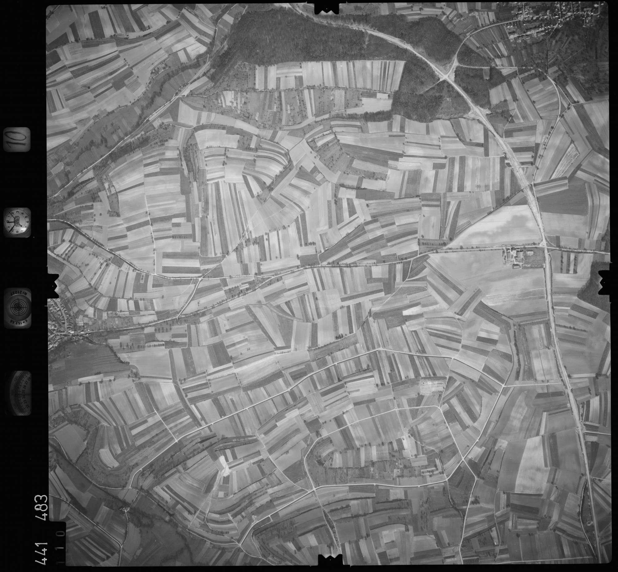 Luftbild: Film 10 Bildnr. 110, Bild 1