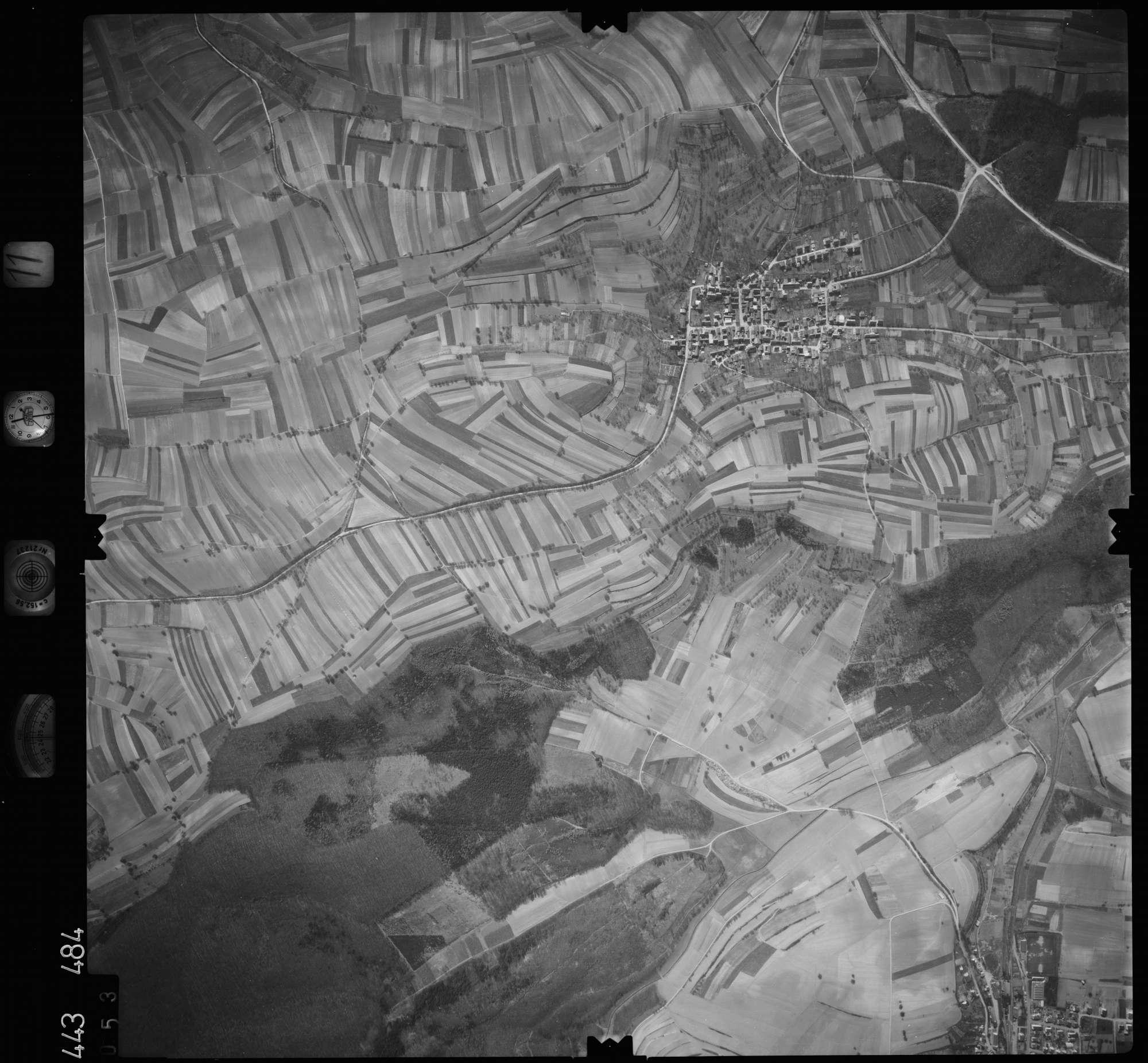 Luftbild: Film 11 Bildnr. 53, Bild 1