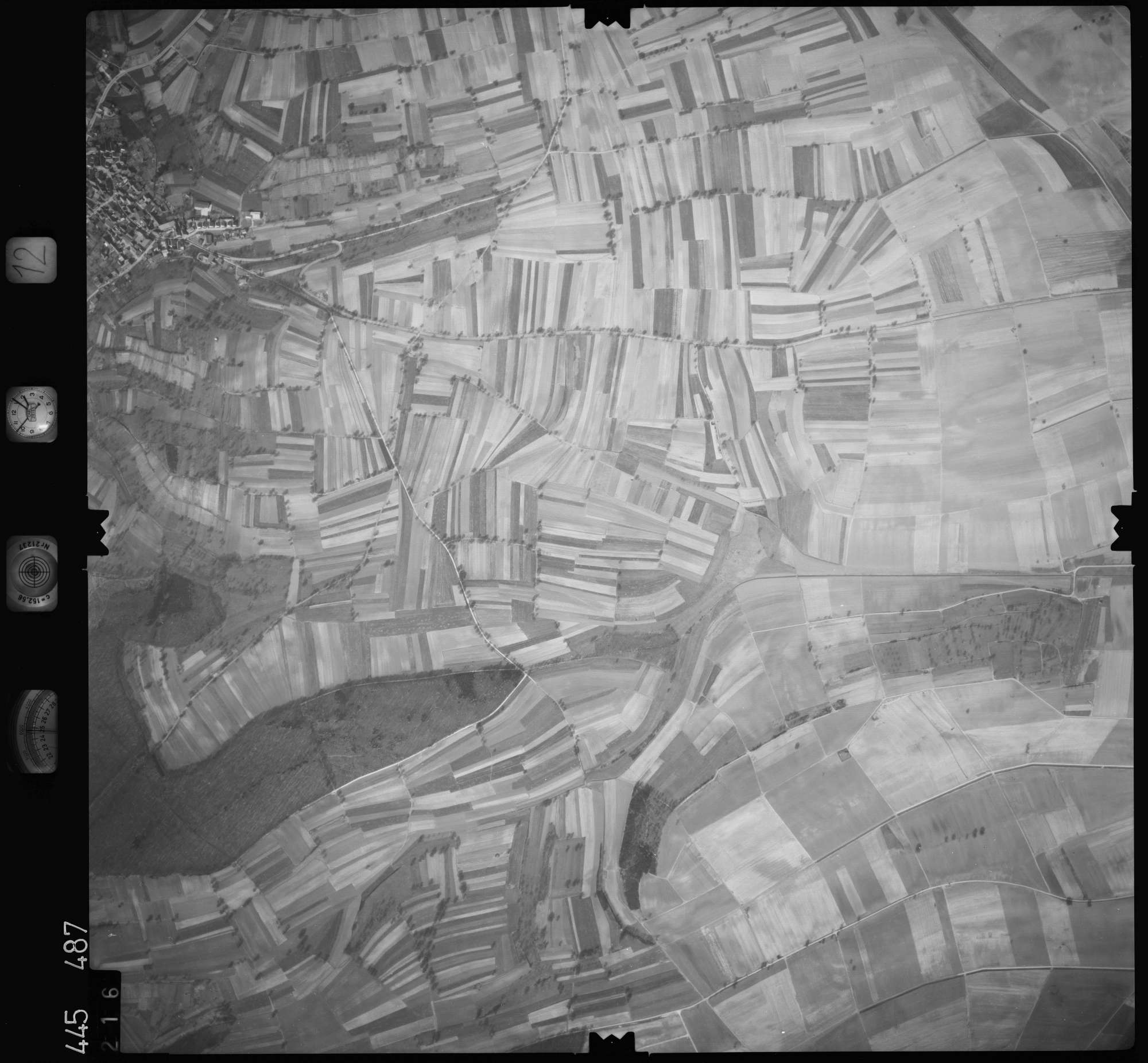 Luftbild: Film 12 Bildnr. 216, Bild 1