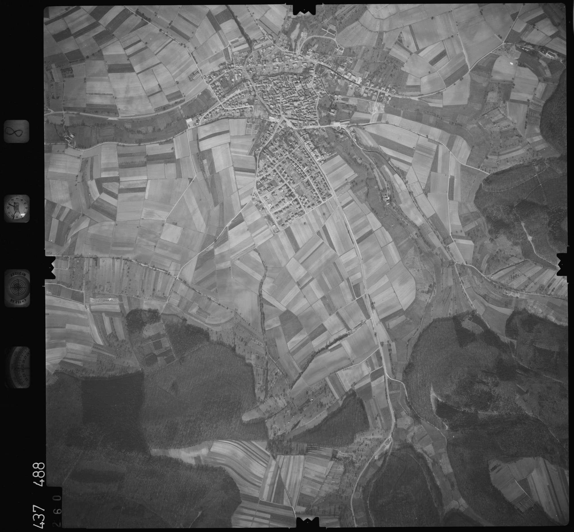 Luftbild: Film 8 Bildnr. 260, Bild 1