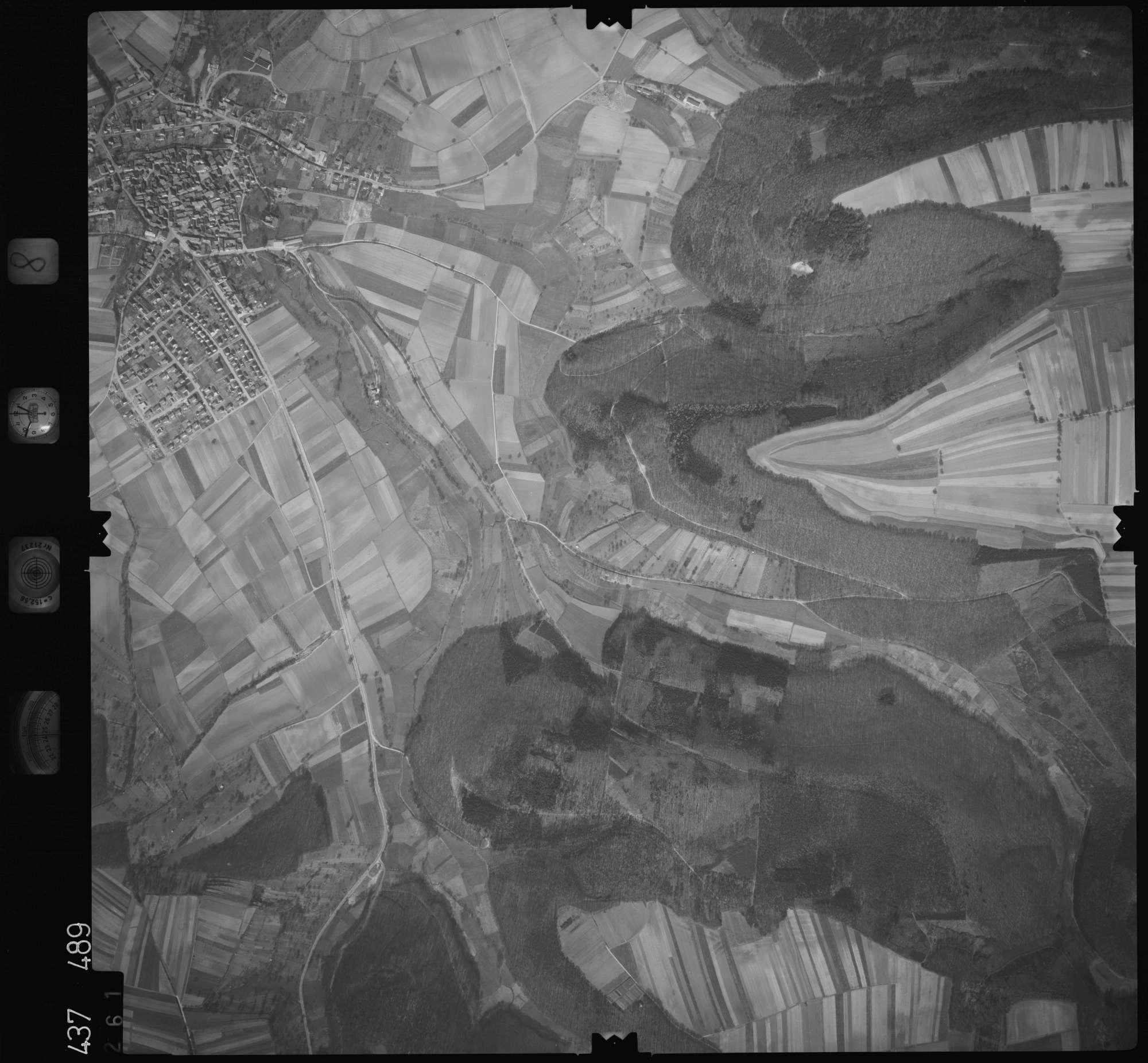 Luftbild: Film 8 Bildnr. 261, Bild 1