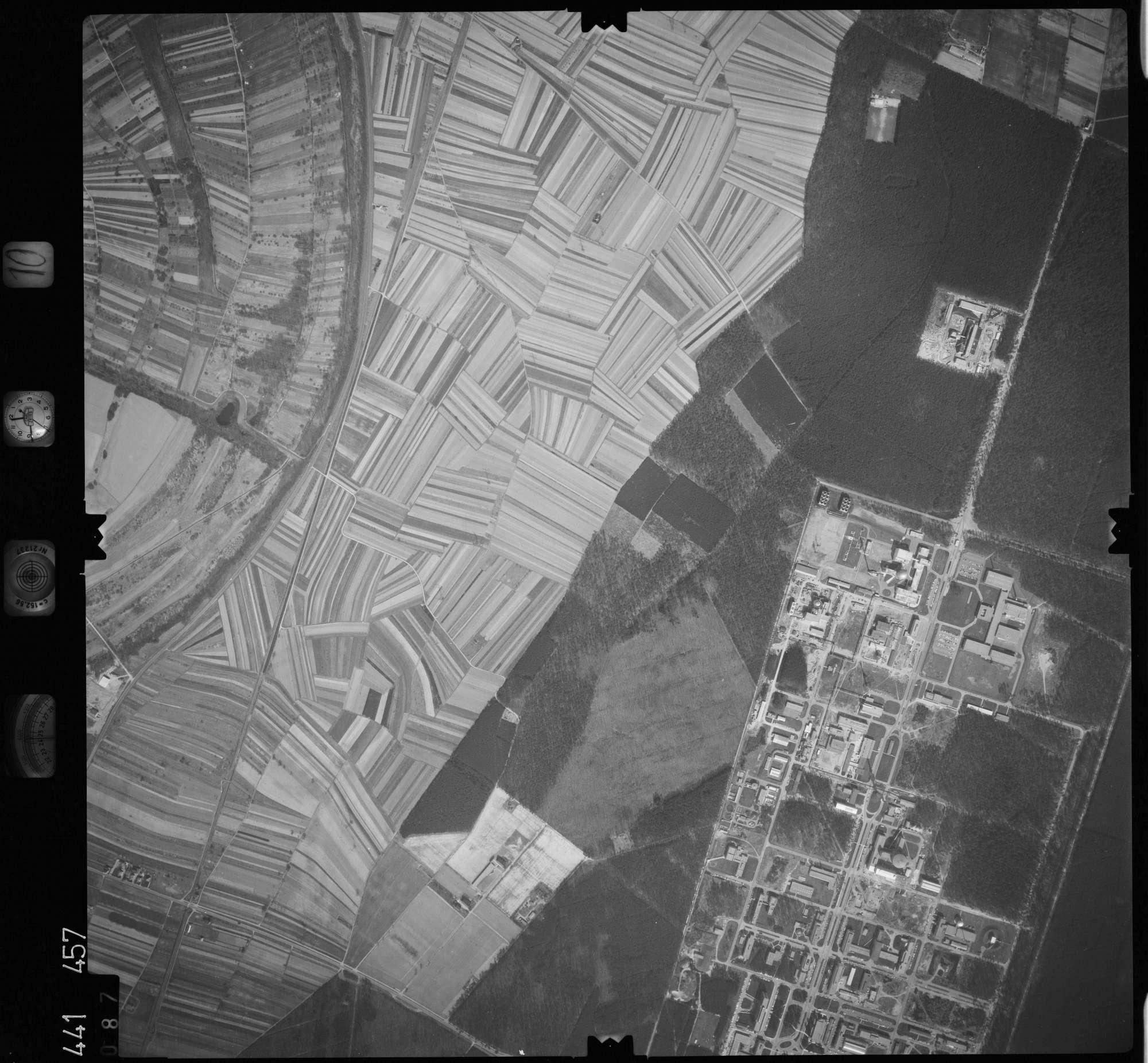 Luftbild: Film 10 Bildnr. 87, Bild 1