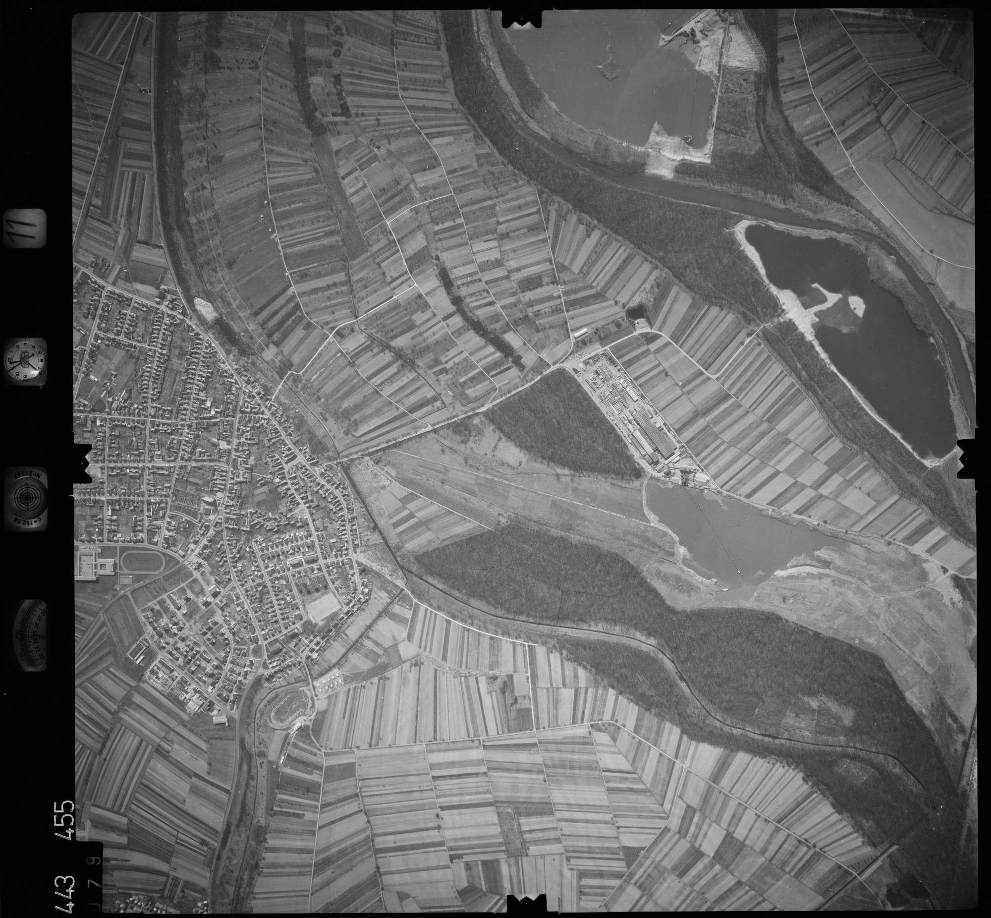 Luftbild: Film 11 Bildnr. 79, Bild 1