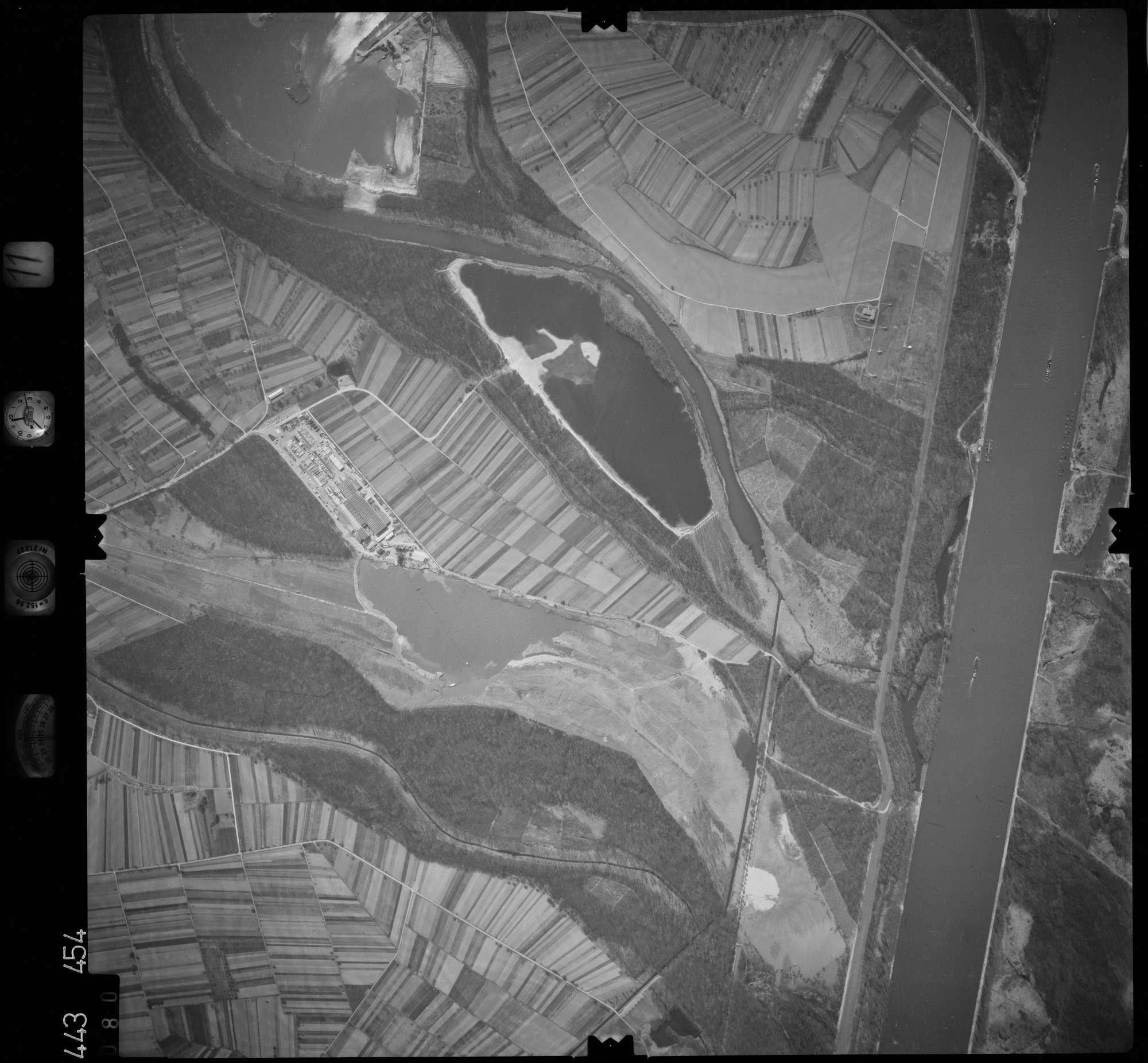 Luftbild: Film 11 Bildnr. 80, Bild 1