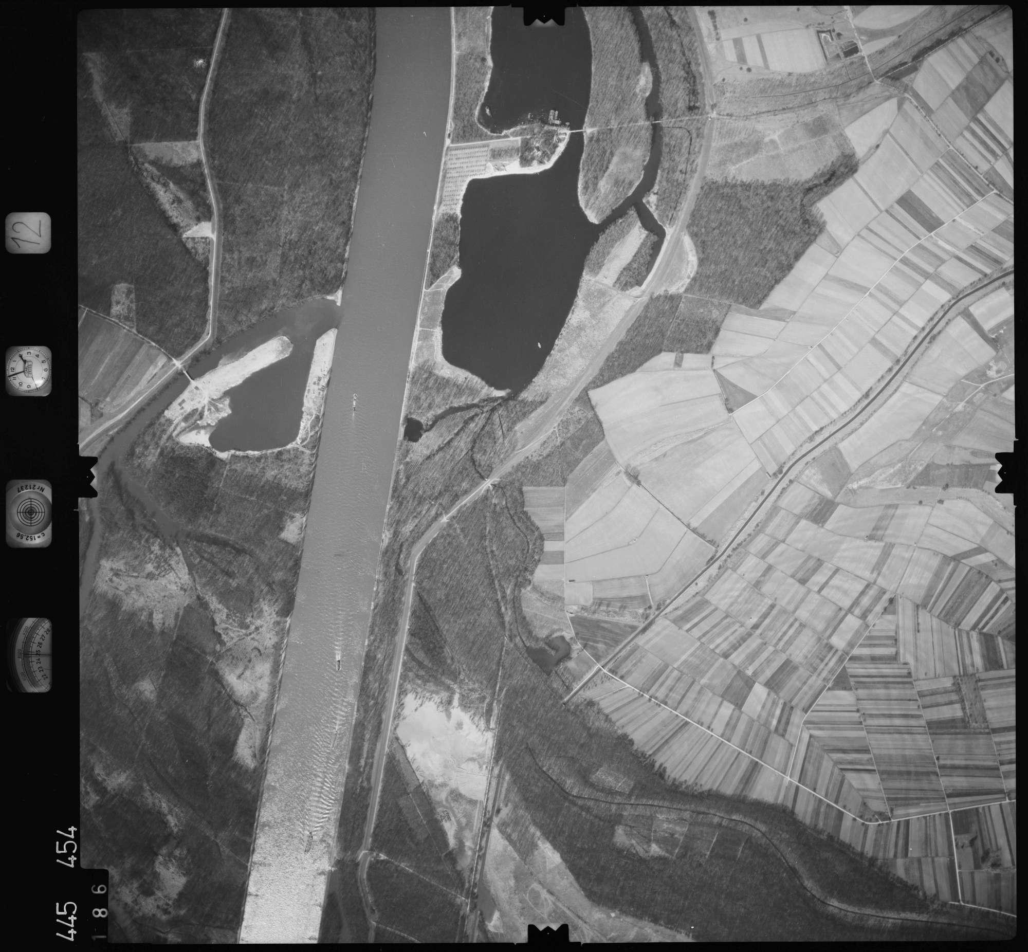 Luftbild: Film 12 Bildnr. 186, Bild 1