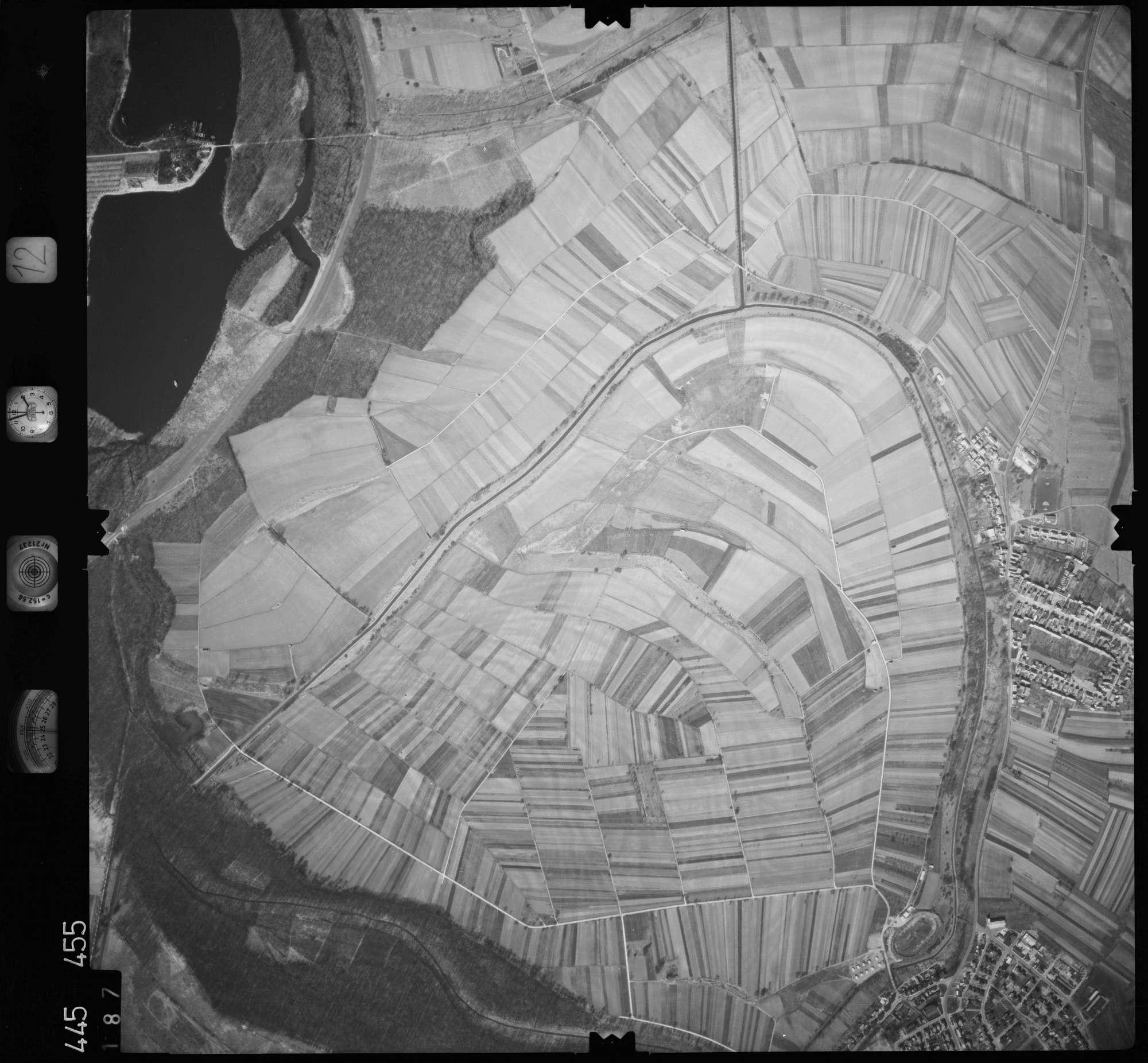 Luftbild: Film 12 Bildnr. 187, Bild 1
