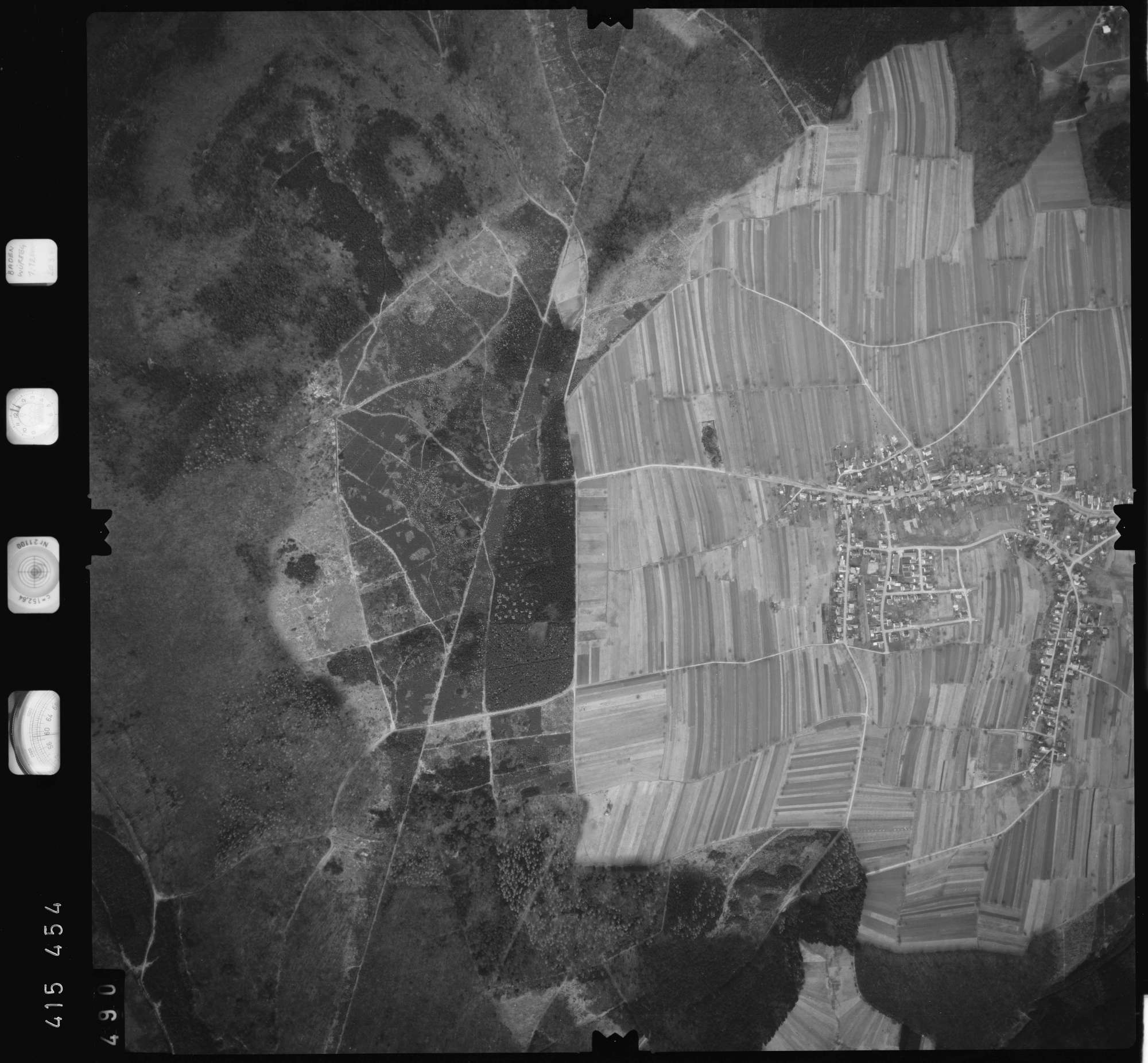 Luftbild: Film 2 Bildnr. 490, Bild 1