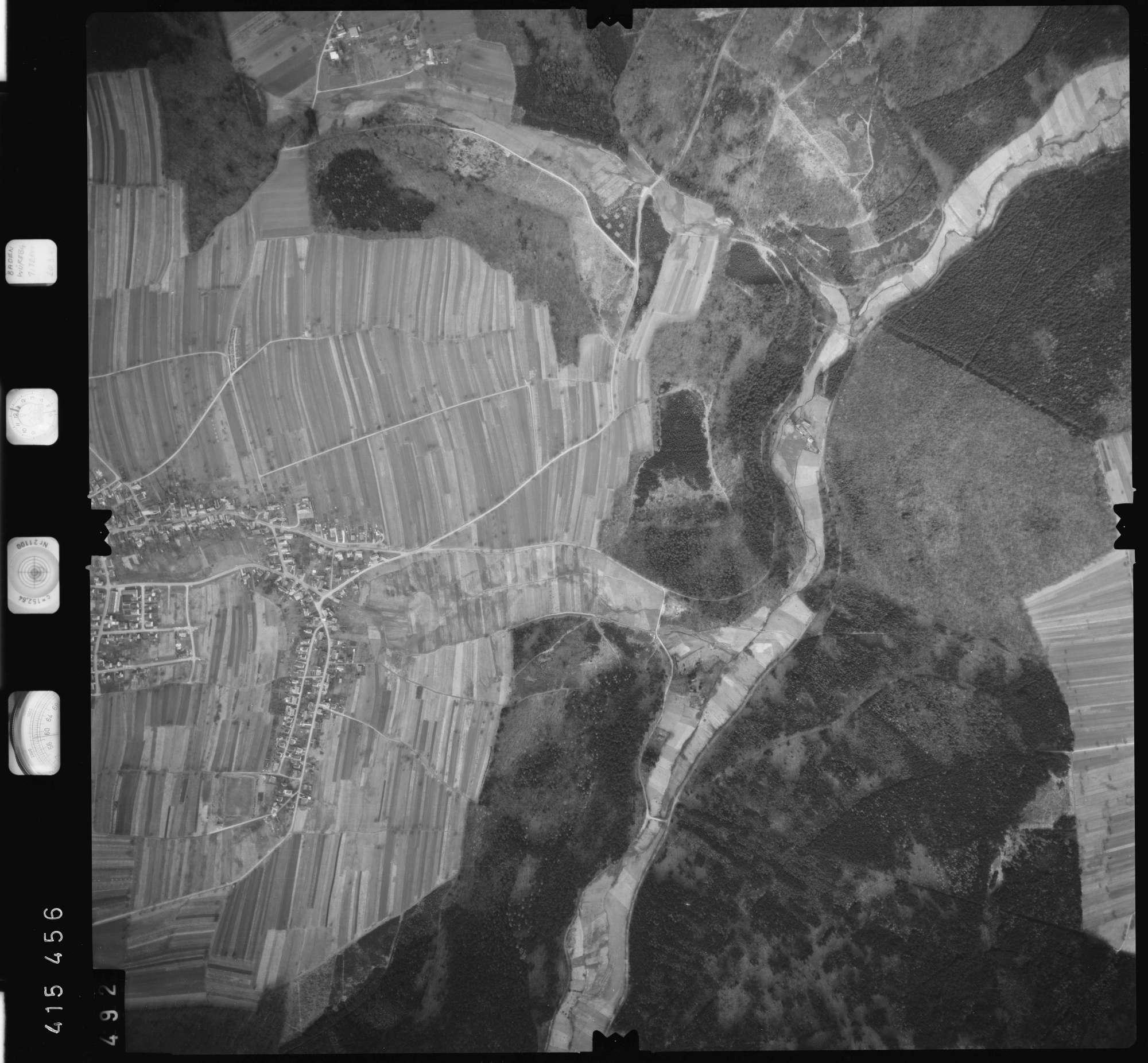 Luftbild: Film 2 Bildnr. 492, Bild 1