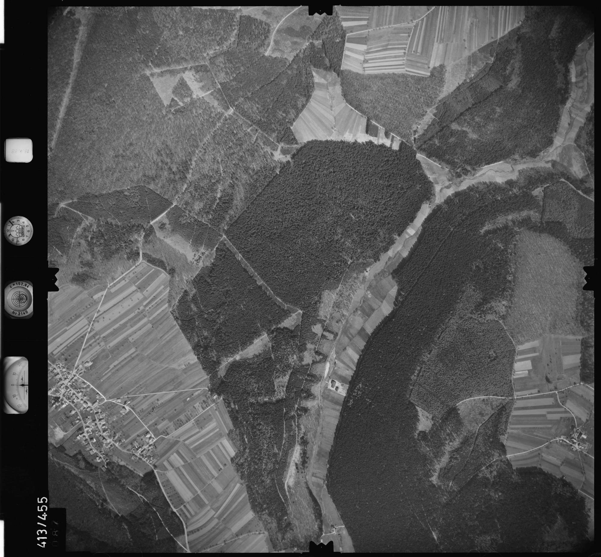 Luftbild: Film 4 Bildnr. 87, Bild 1