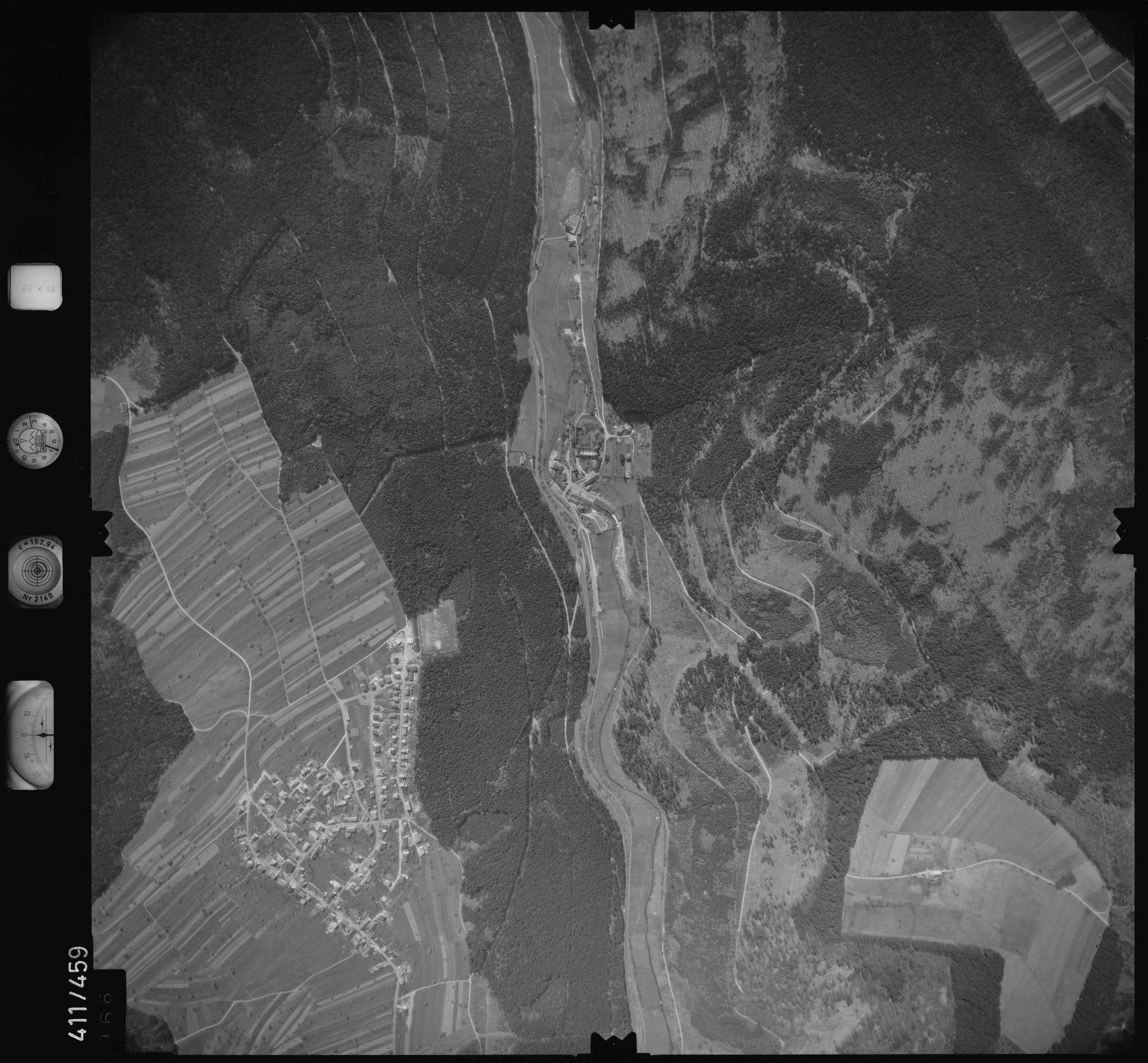 Luftbild: Film 4 Bildnr. 166, Bild 1