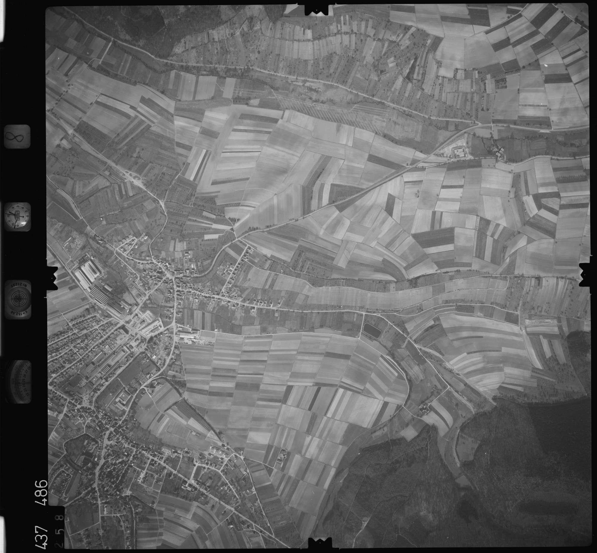 Luftbild: Film 8 Bildnr. 258, Bild 1