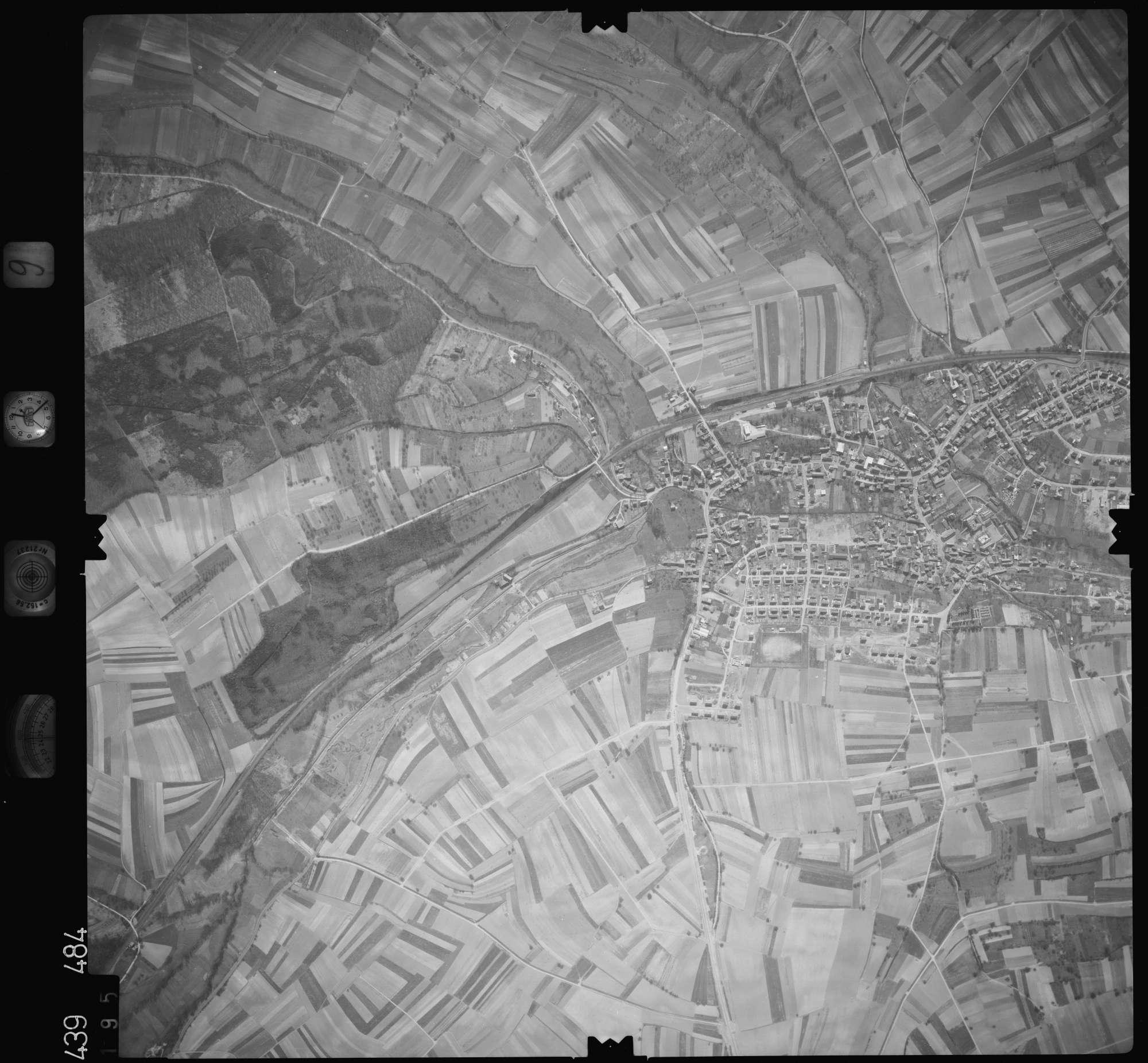 Luftbild: Film 9 Bildnr. 195, Bild 1