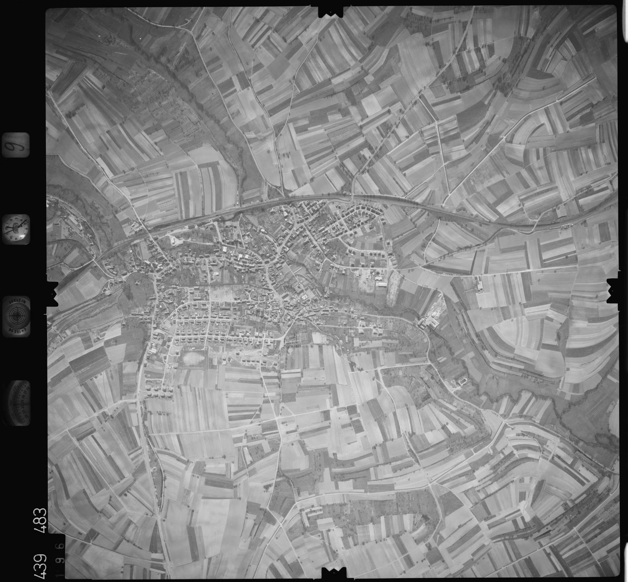 Luftbild: Film 9 Bildnr. 196, Bild 1